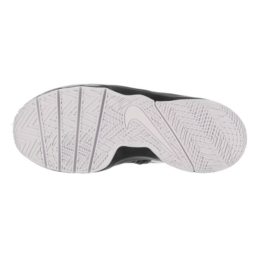 buy popular 01597 c3dfa Shop Nike Kids Team Hustle Quick (GS) Basketball Shoe - Free Shipping Today  - Overstock - 17818436