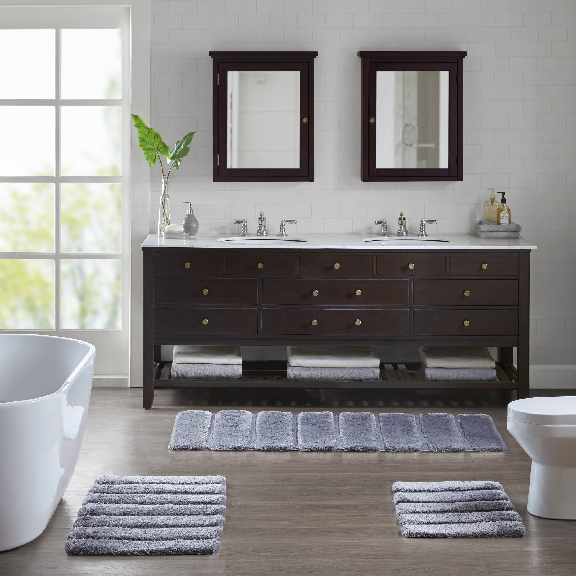 Superieur Shop Madison Park Tufted Pearl Channel Solid Tufted Bath Rug   5 Color  Option   On Sale   Free Shipping On Orders Over $45   Overstock.com    17908428
