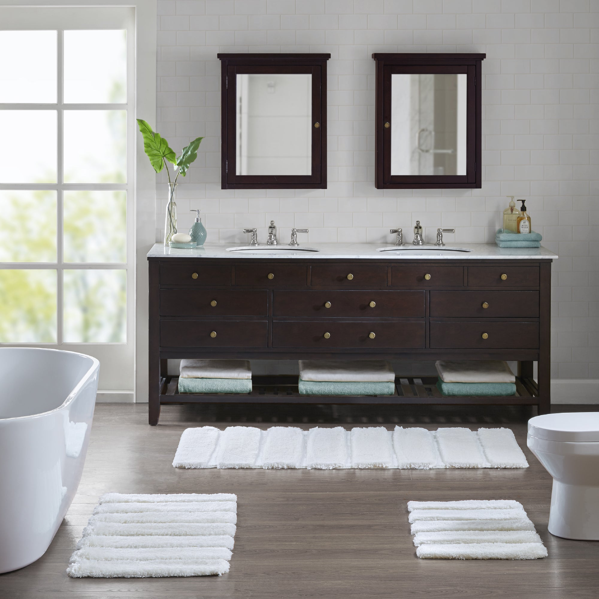 Shop Madison Park Tufted Pearl Channel Solid Tufted Bath Rug   5 Color  Option   On Sale   Free Shipping On Orders Over $45   Overstock.com    17908428