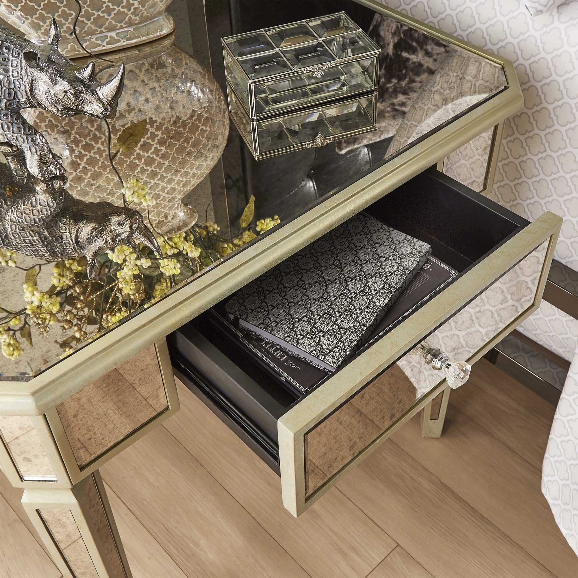 Clara Antique Gold 1-drawer Mirrored End Table by iNSPIRE Q Bold - Free  Shipping Today - Overstock.com - 24131856