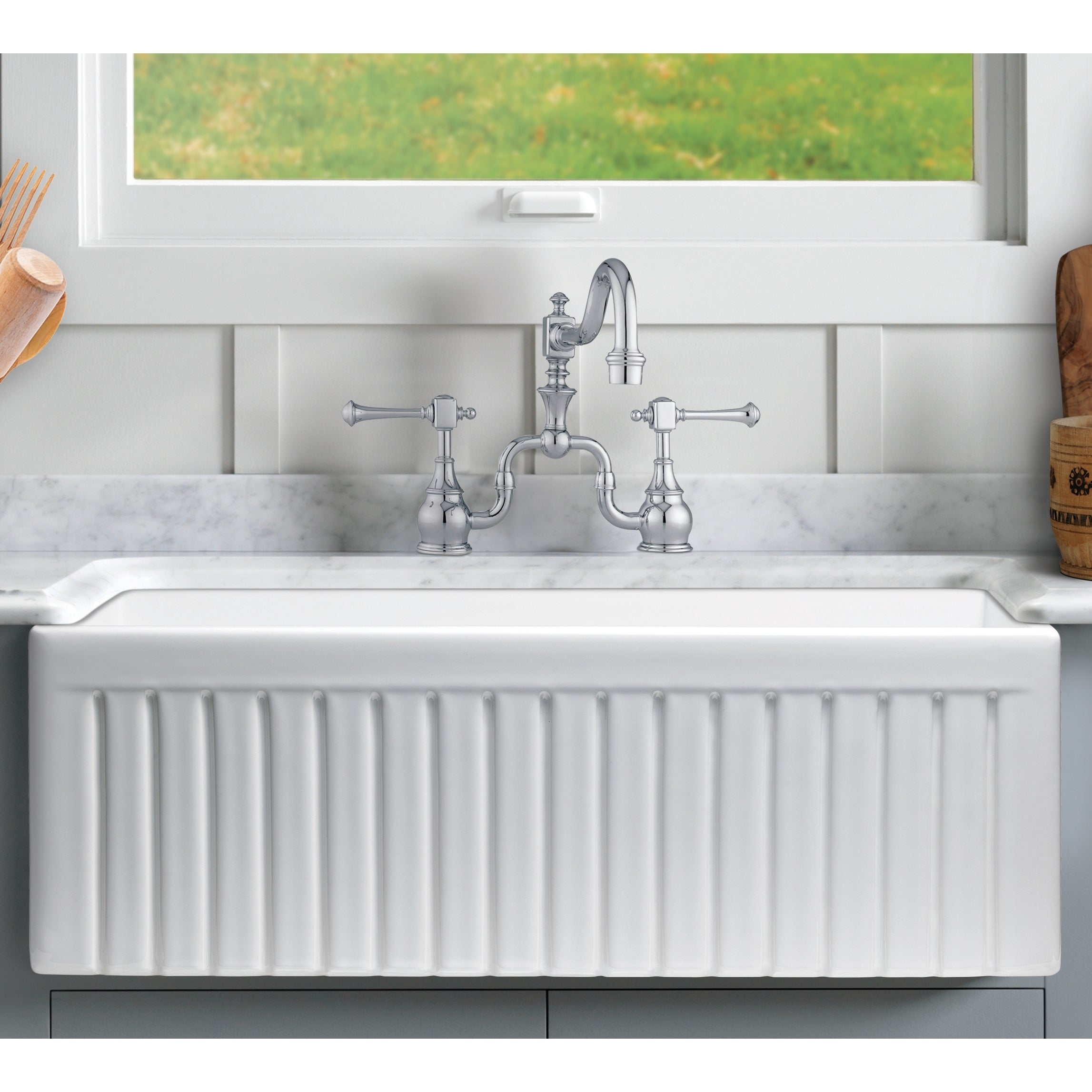 sutton place 24 in  single bowl reversible fireclay farmhouse kitchen sink with grid   free shipping today   overstock com   24140827 sutton place 24 in  single bowl reversible fireclay farmhouse      rh   overstock com