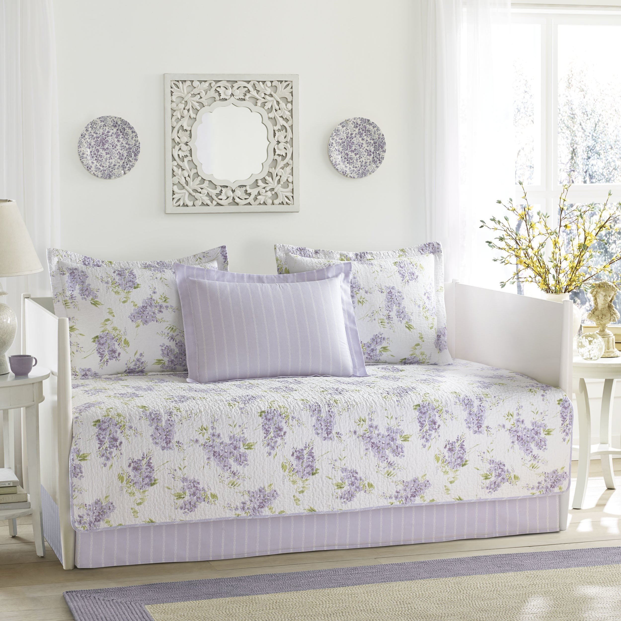 Shop Laura Ashley Keighley Lilac 5 Piece Daybed