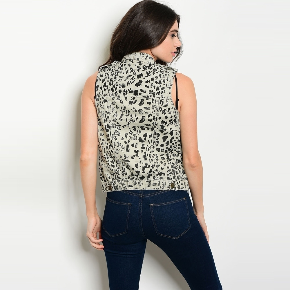0e4757fb586984 Shop Shop The Trends Women s Sleeveless Vest With Allover Animal Print And  Button Front Closure - Free Shipping On Orders Over  45 - Overstock -  18011293