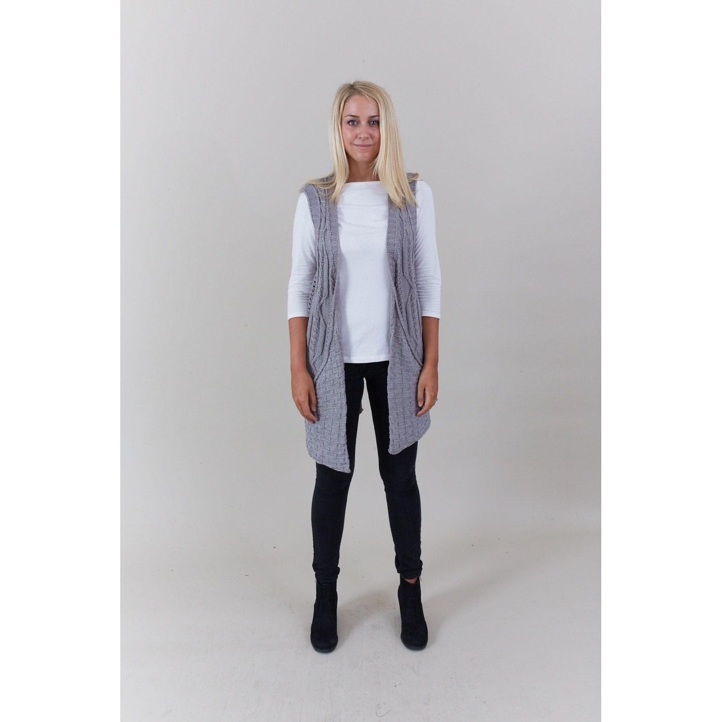 79a8615a171d Shop Le Nom Big Pockets Cable Knit Vest - On Sale - Free Shipping On Orders  Over  45 - Overstock.com - 18161560