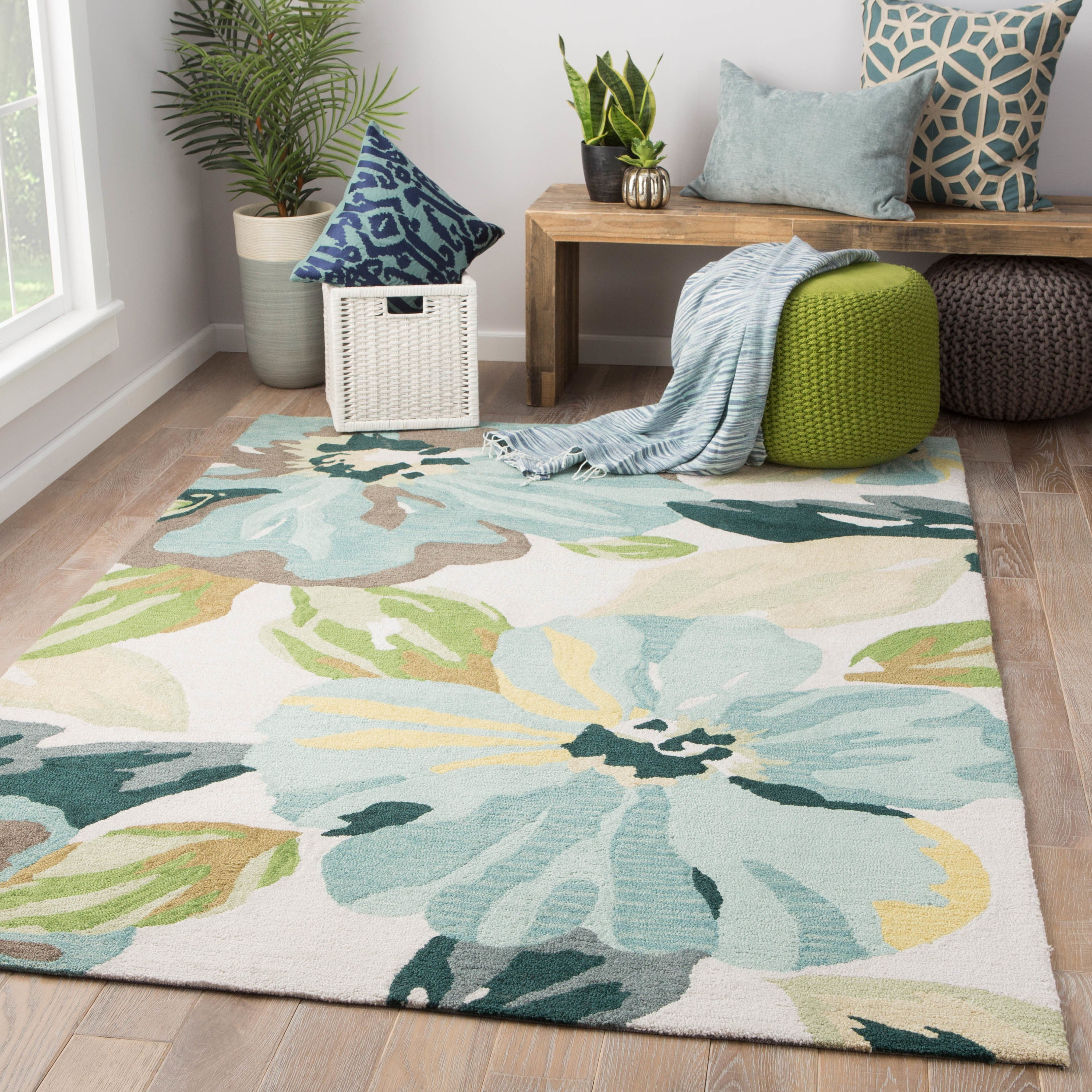 Juniper Home Isidore Blue Green Handmade Floral Area Rug 7 6 x 9