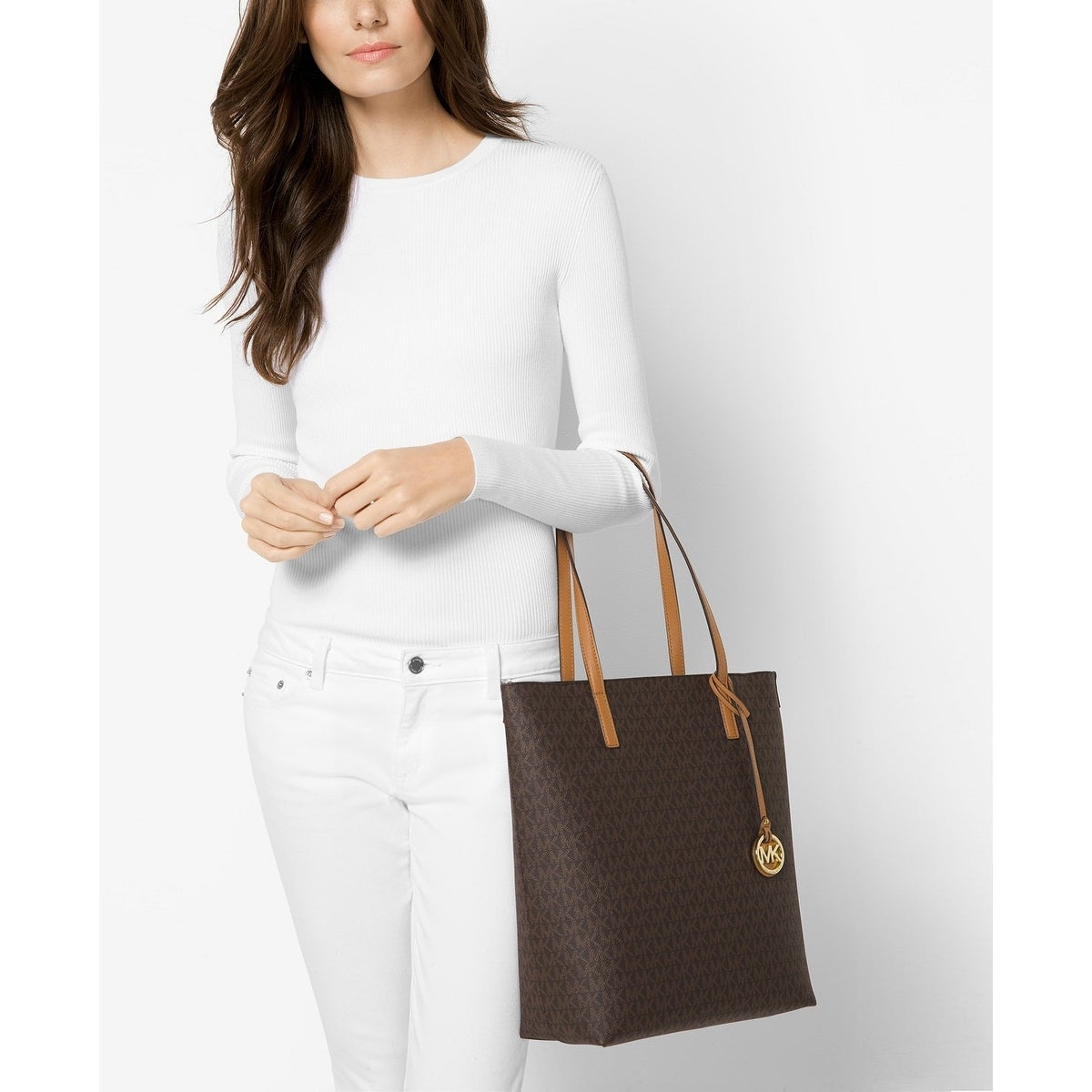 d7d95f8b02e1 Shop MICHAEL Michael Kors Signature Hayley Large North South Top Zip Tote  Brown/Acorn - Free Shipping Today - Overstock - 18214855