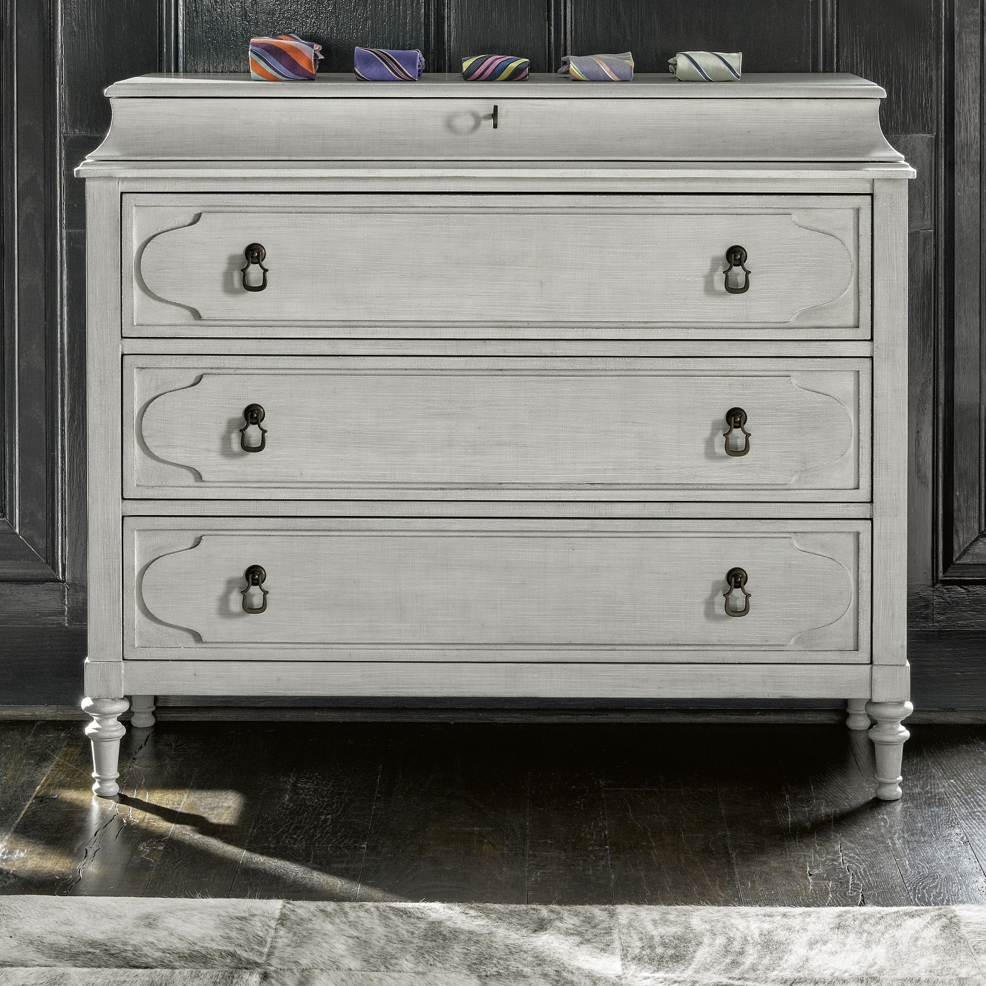 Postsript Linen 4 Drawer Cancale Hall Chest