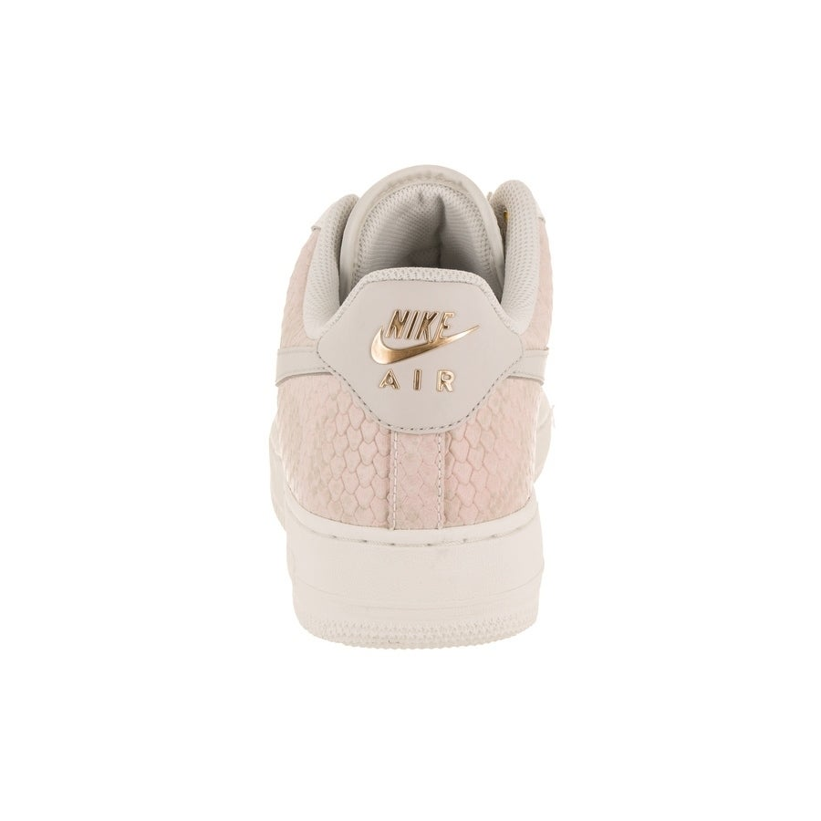 purchase cheap b0154 69af4 Shop Nike Men s Air Force 1  07 LV8 Basketball Shoe - Free Shipping Today -  Overstock - 19549499