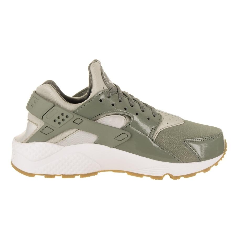 28694cc150543 Shop Nike Women s Air Huarache Run Running Shoe - On Sale - Free Shipping  Today - Overstock.com - 19804417