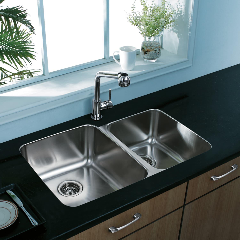 VIGO 32-inch Undermount Stainless Steel 18 Gauge Double Bowl Kitchen ...