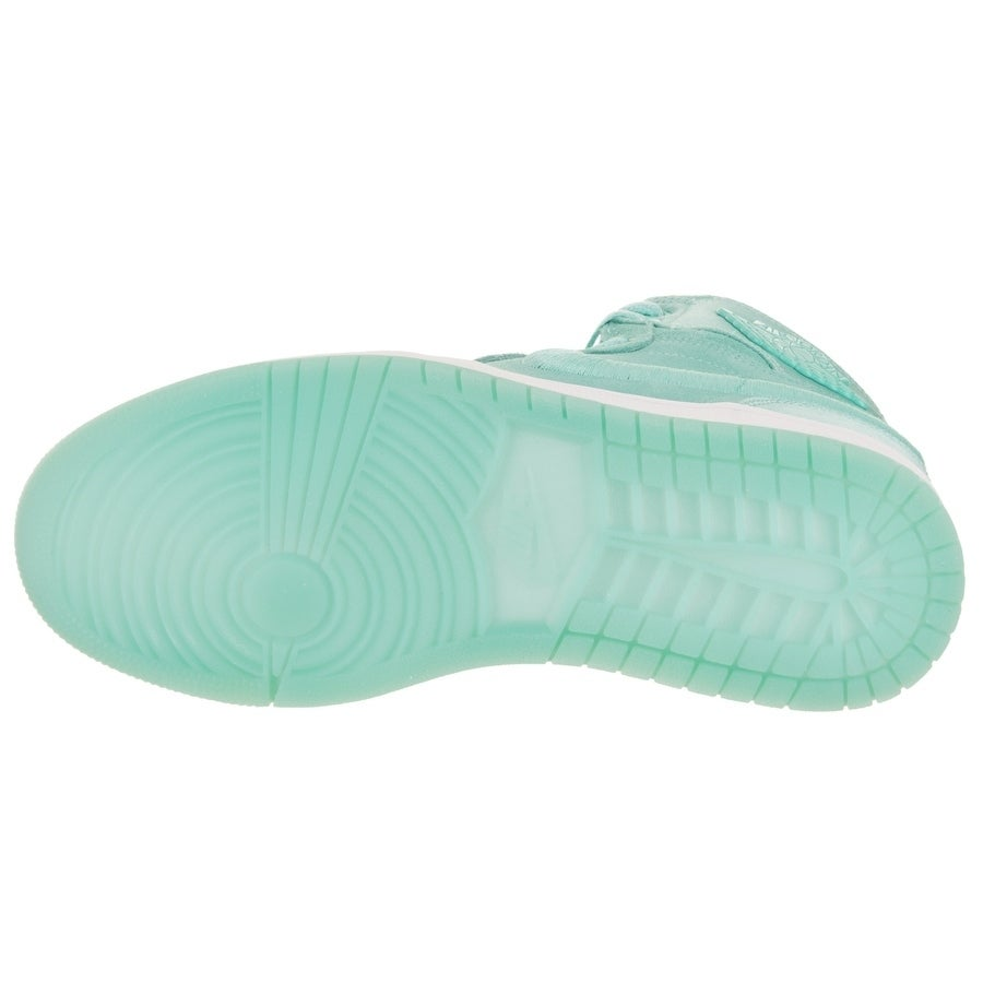 a80baa675e6c90 Shop Nike Jordan Women s Air Jordan 1 Retro High SOH Casual Shoe - Free  Shipping Today - Overstock - 20089933