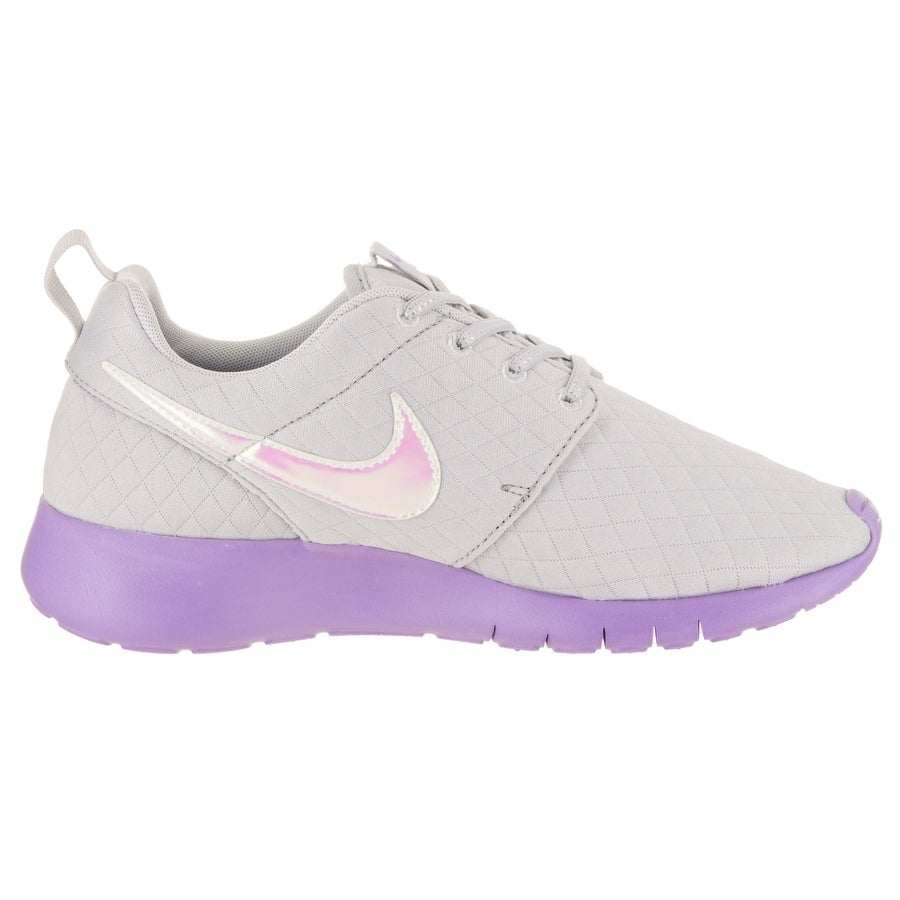 78a8fcd8000 Shop Nike Kids Roshe One SE (GS) Running Shoe - Free Shipping Today -  Overstock - 20201939