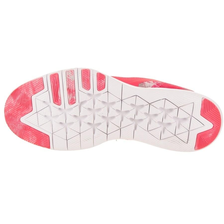 edb6bbe499b7e Shop Nike Women s Flex Trainer 7 Print Training Shoe - Ships To Canada -  Overstock.ca - 20202025