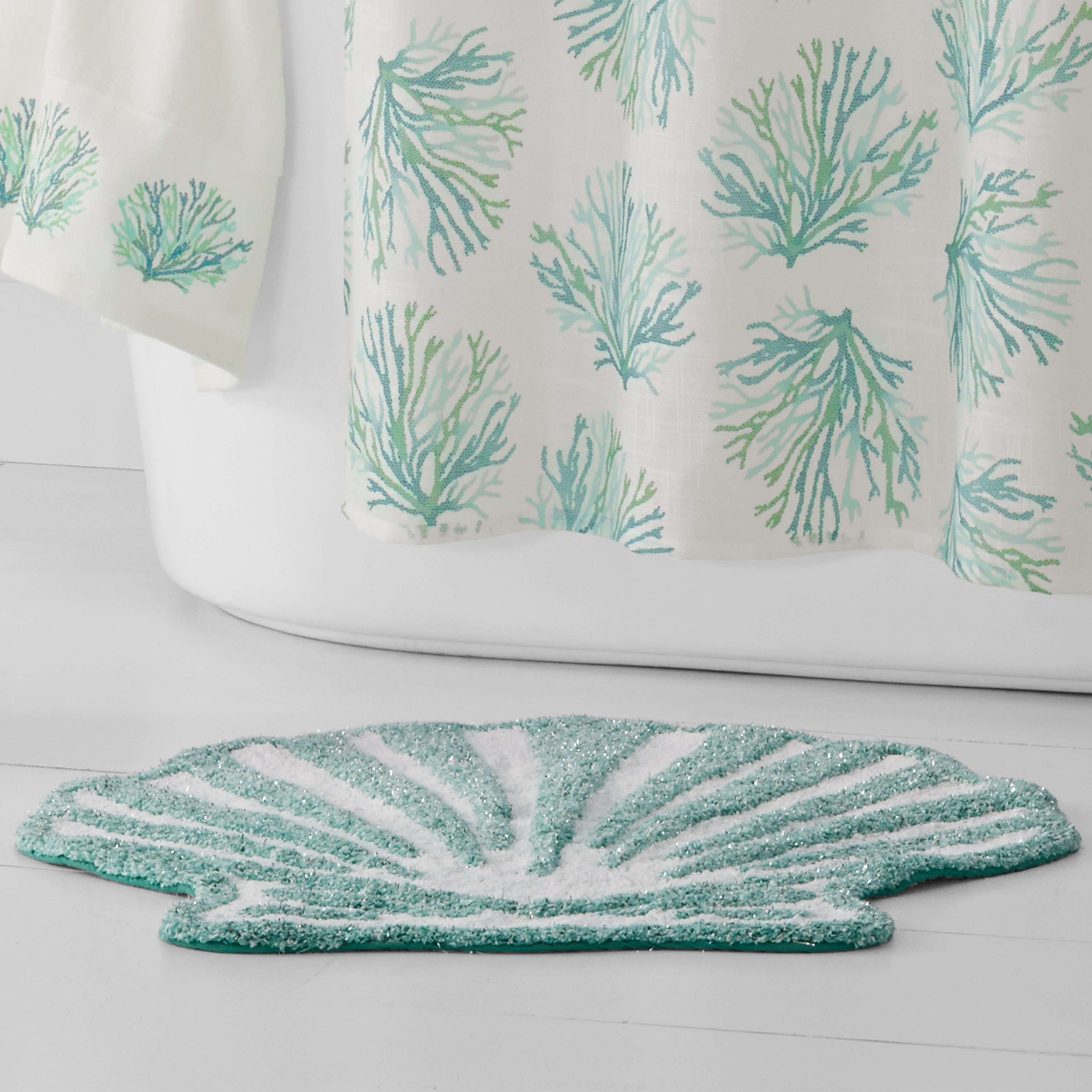 Shop Five Queens Court Caribbean Reef Seashell Shaped Cotton Bath Rug    Free Shipping On Orders Over $45   Overstock.com   20553524