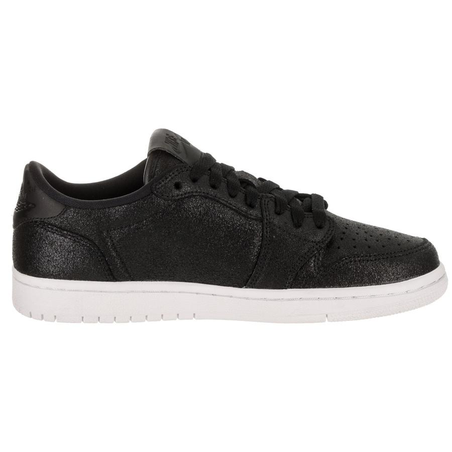 buy popular 11252 db703 Nike Jordan Women's Air Jordan 1 Retro Low NS Basketball Shoe