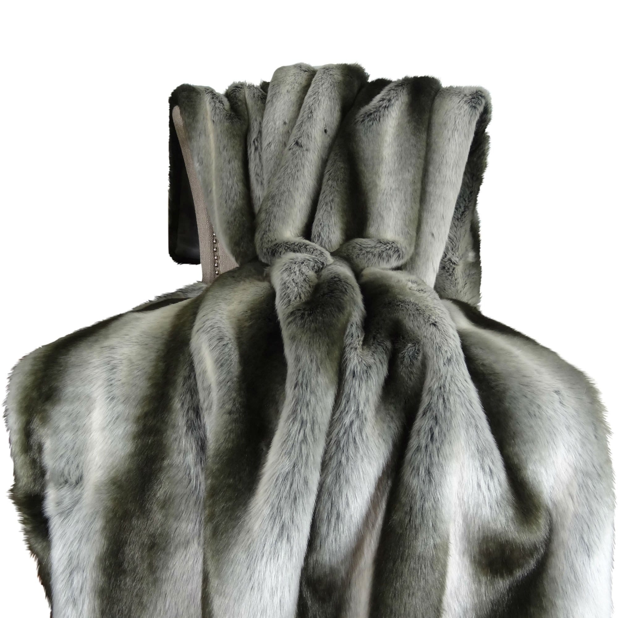 Faux fur throw blanket Oversized Thomas Collection Luxury Gray Silver Chinchilla Faux Fur Throw Blanket Handmade In Usa 16430t Overstock Shop Thomas Collection Luxury Gray Silver Chinchilla Faux Fur Throw
