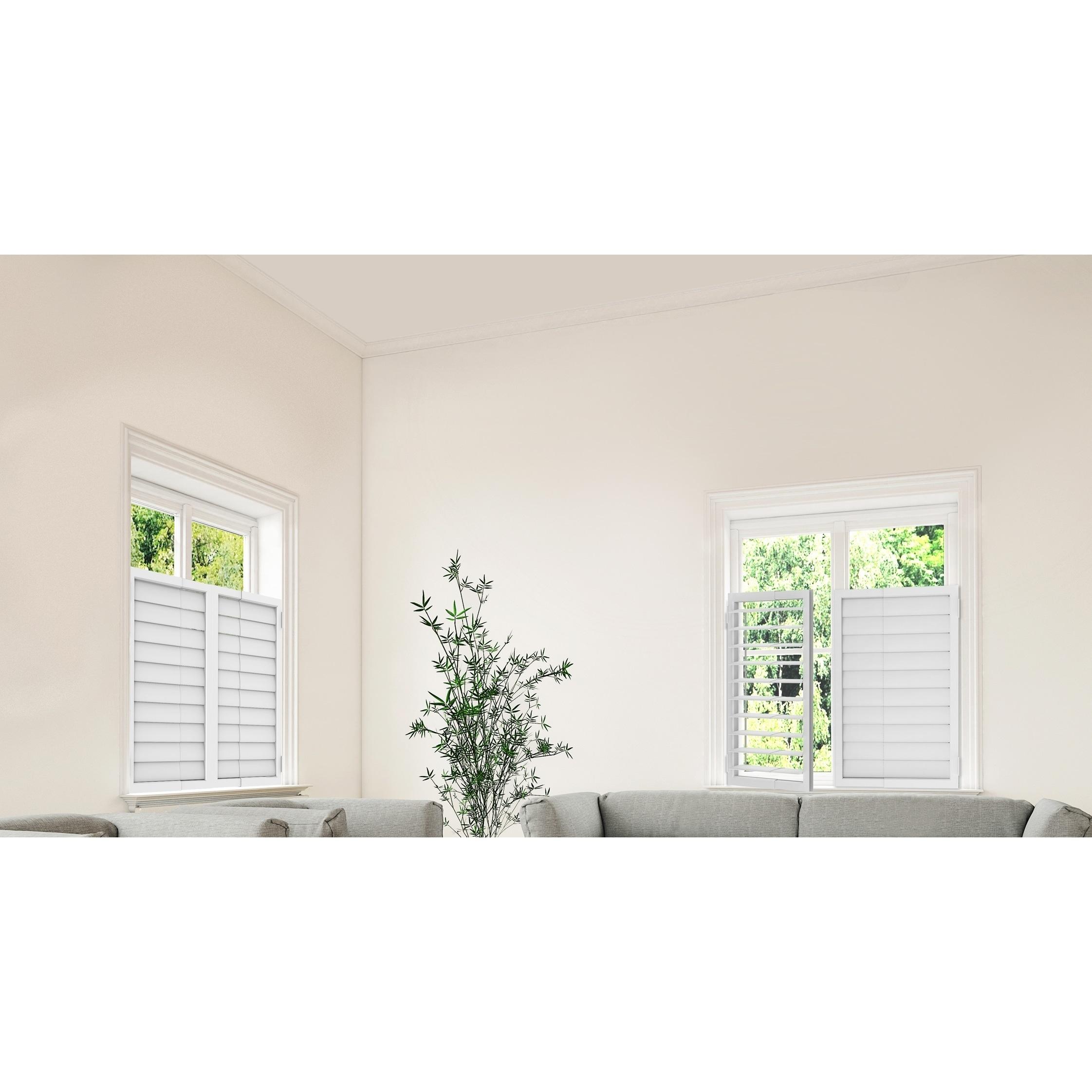 Self-adjusting plastic windows 36