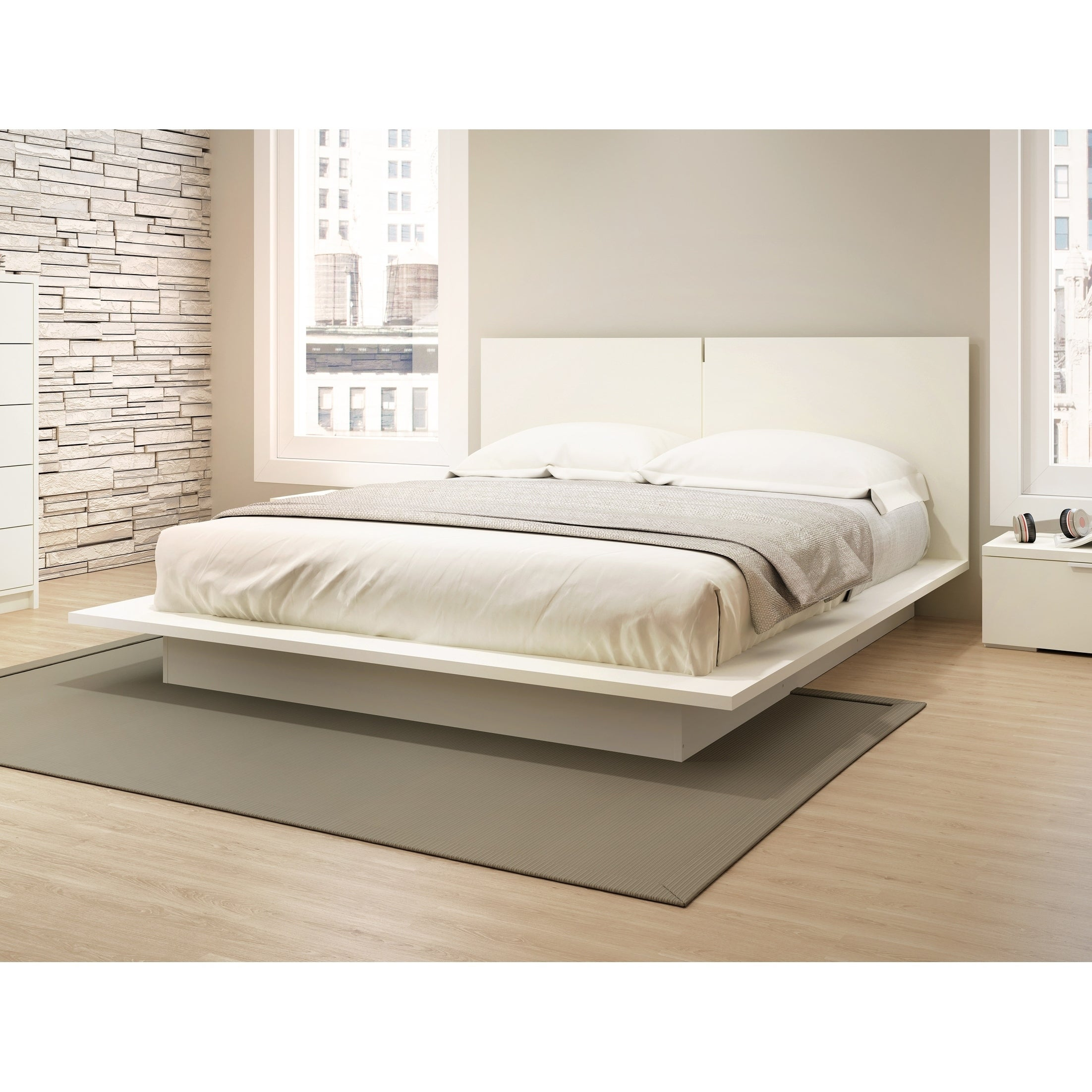 Stellar Home Furniture Queen Low profile Platform Bed with Headboard