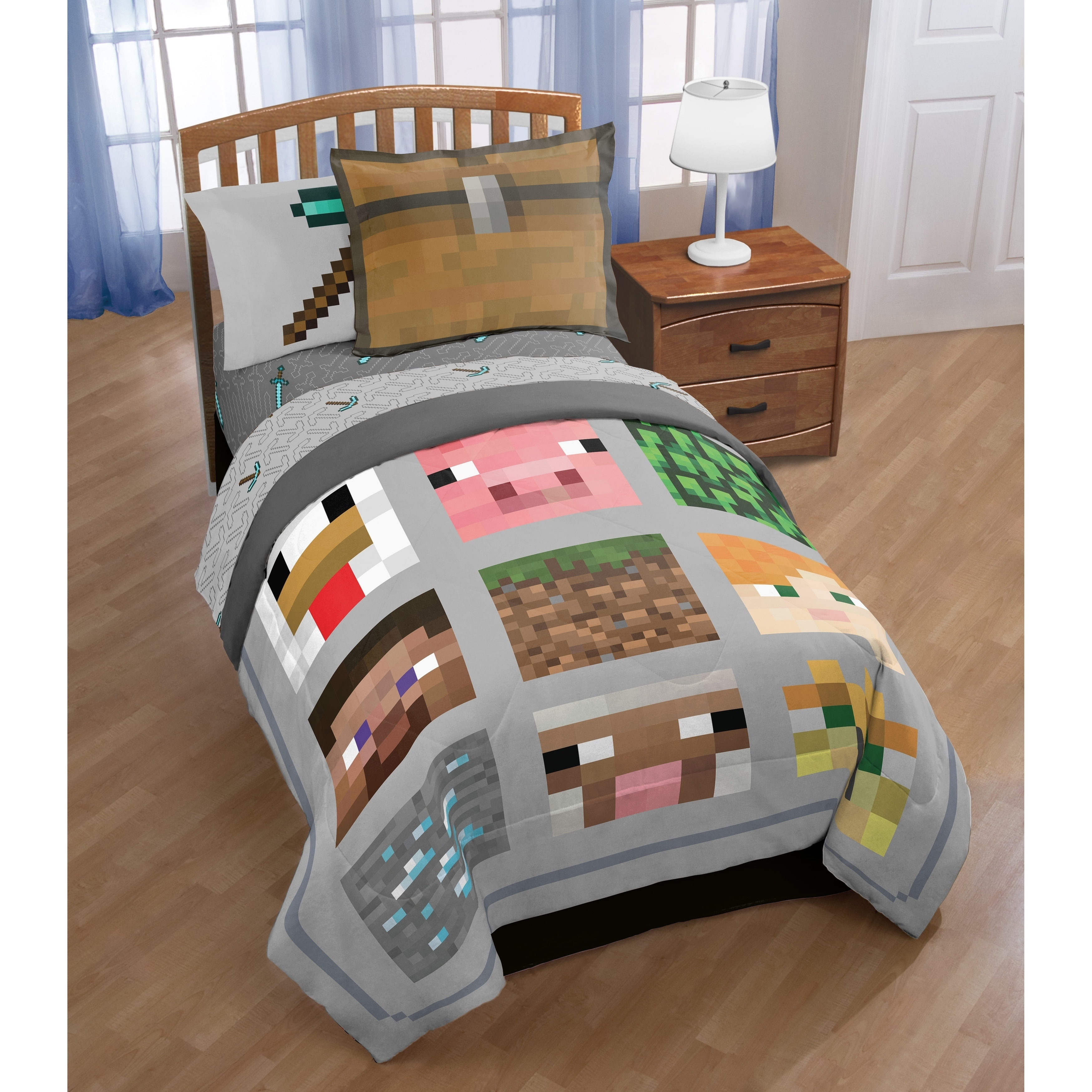 4 Piece Bed Set NEW Minecraft Red TWIN Comforter Set Bedding Includes Sheets