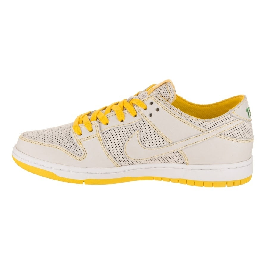 4eb2ddb8d7dd Shop Nike Men s SB Zoom Dunk Low Pro Decon QS Skate Shoe - Free Shipping  Today - Overstock - 21611814