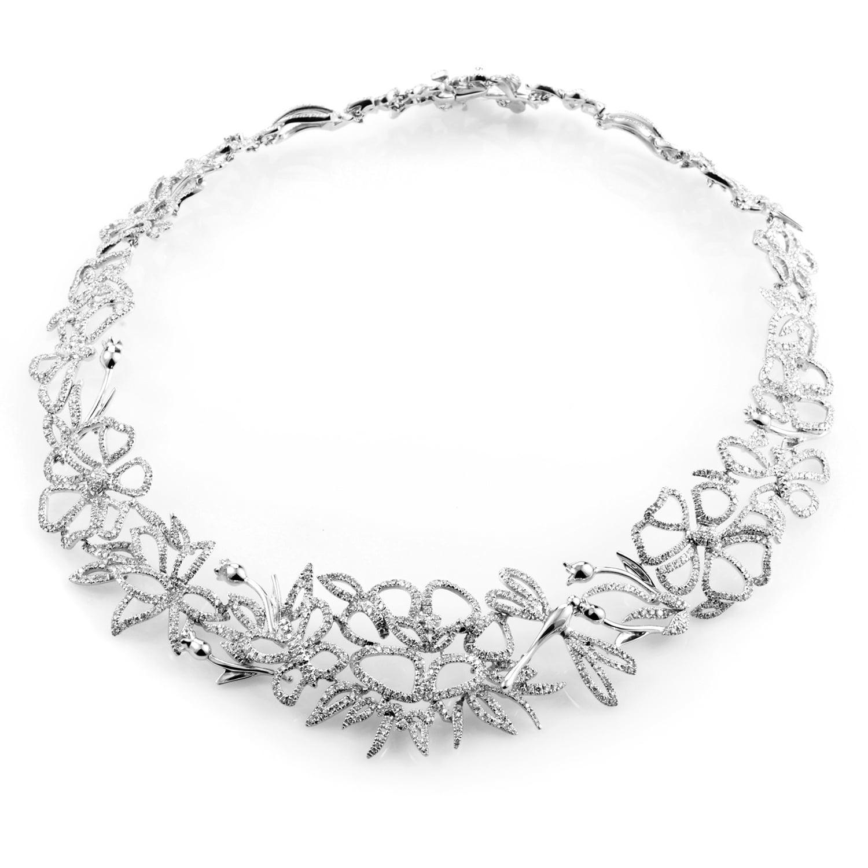 94c6d6607 Shop Gucci White Gold Diamond Floral Choker Necklace - On Sale ...