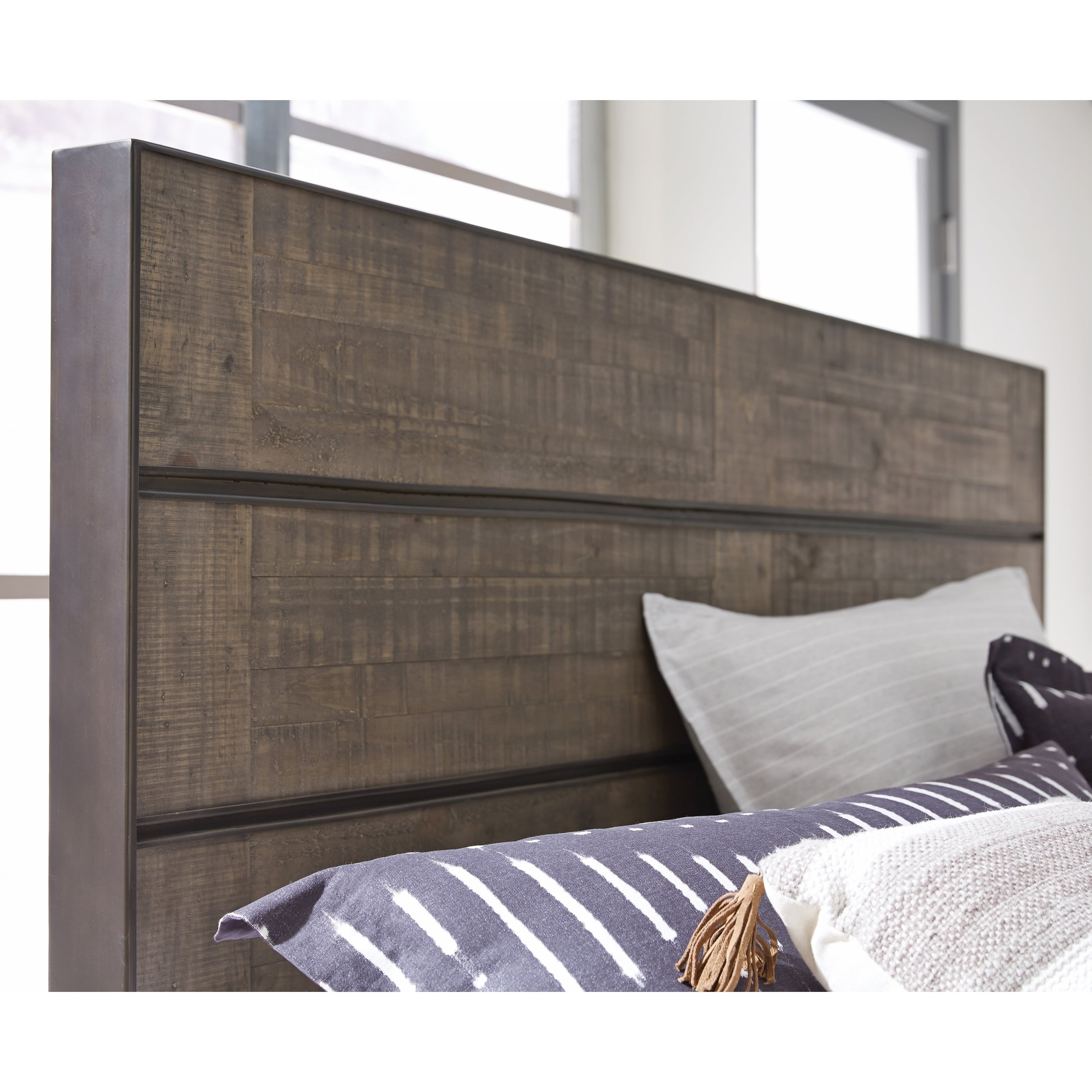 Shop granada hills queen metal and wood panel bed headboard on sale free shipping today overstock com 22430521