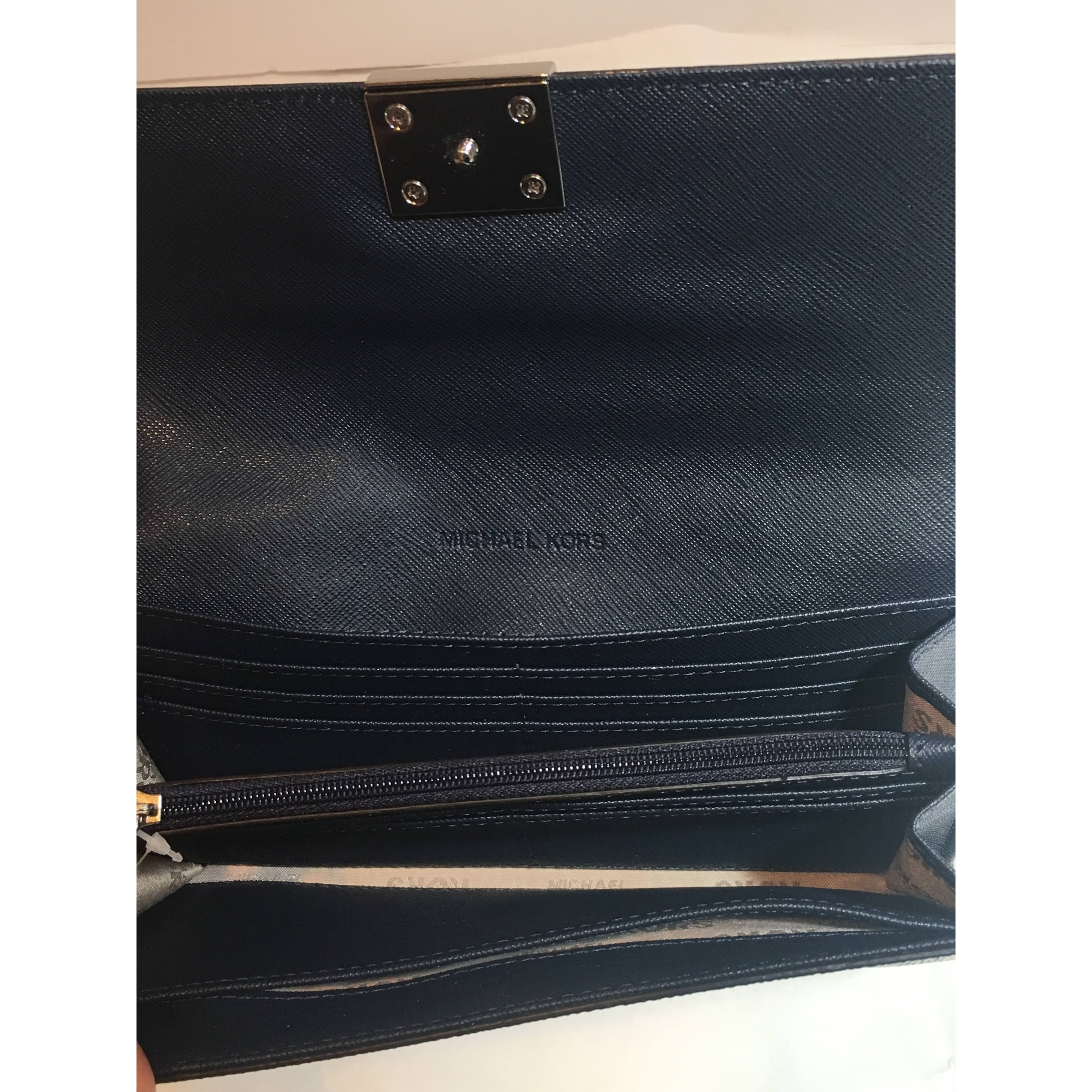 87c6a2e716bb Shop Michael Kors Mindy Carryall PVC Flap Wallet Clutch - Free Shipping  Today - Overstock - 22465309
