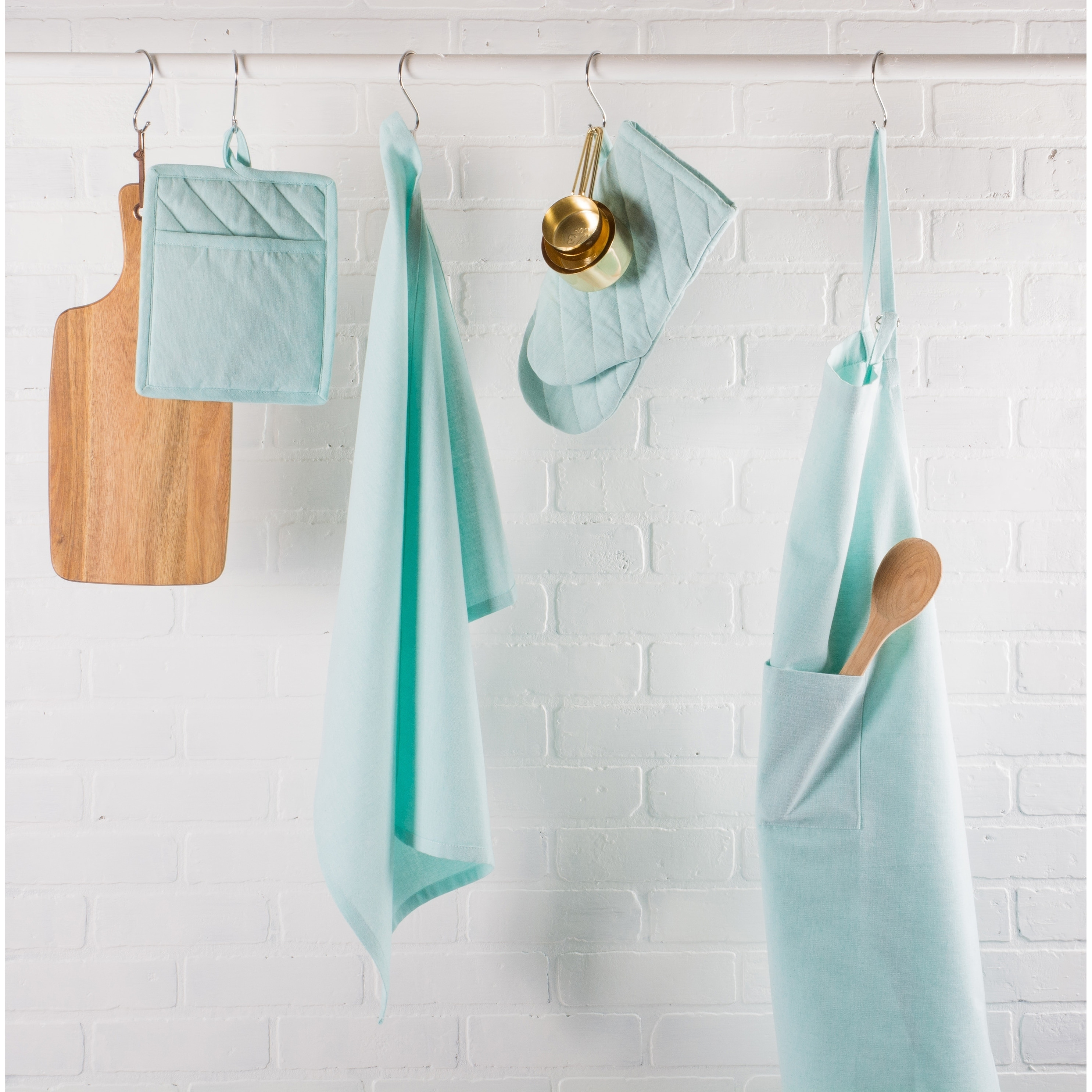 Shop Design Imports Solid Cambray Chef Kitchen Apron - Free Shipping ...