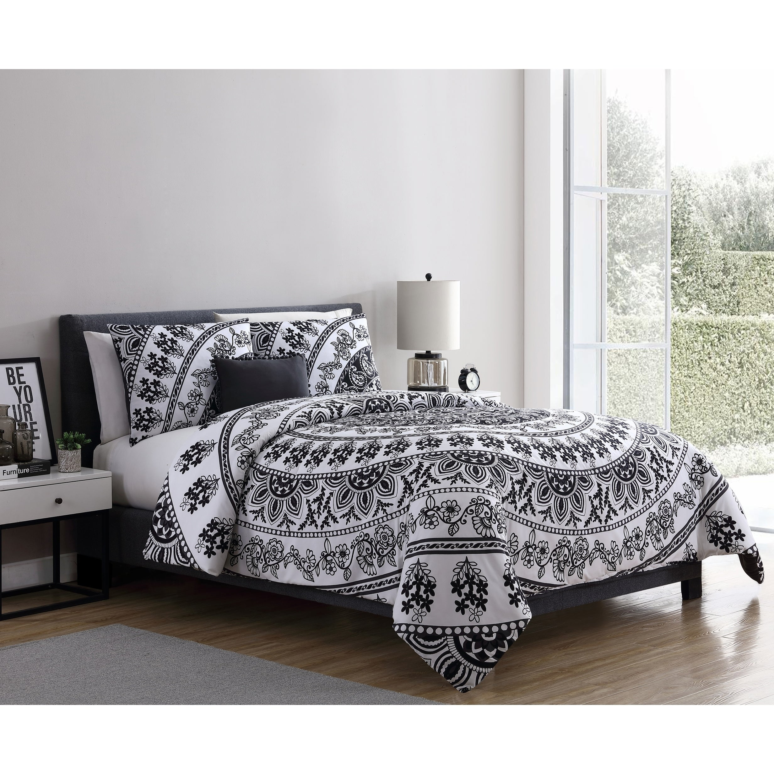 Shop Vcny Home Kaci Black White Medallion Comforter Set On Sale
