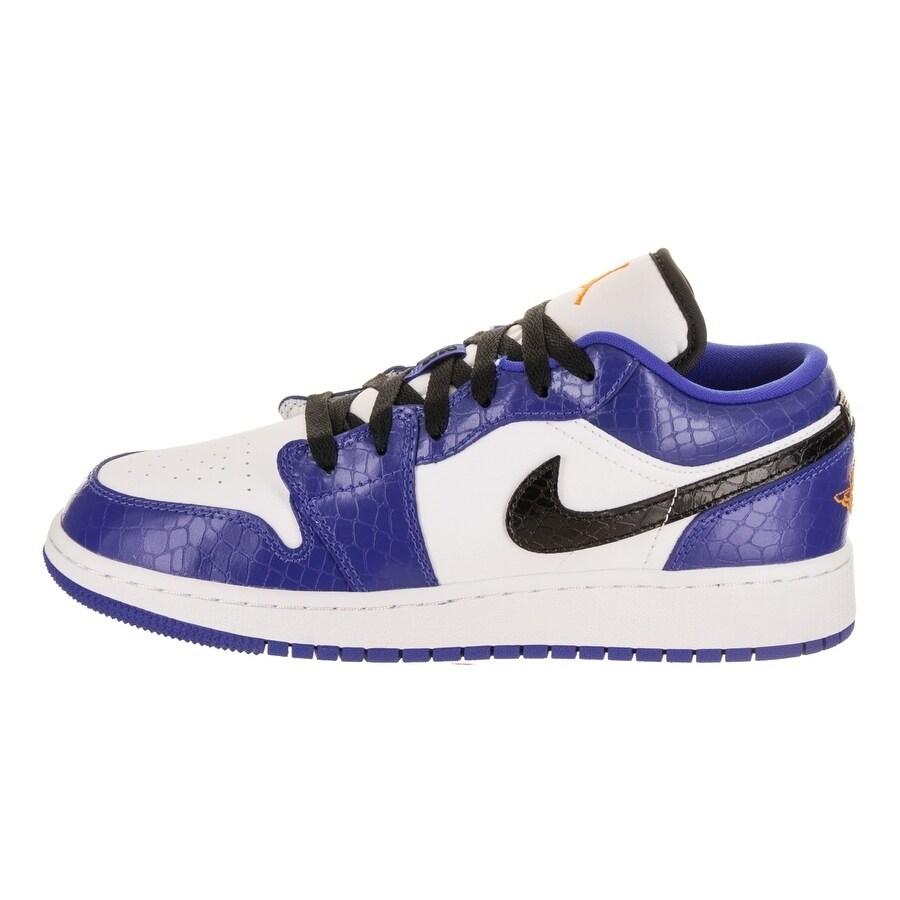 huge selection of ce0f3 09137 Shop Nike Jordan Kids Air Jordan 1 Low BG Basketball Shoe - Free Shipping  Today - Overstock - 22867895