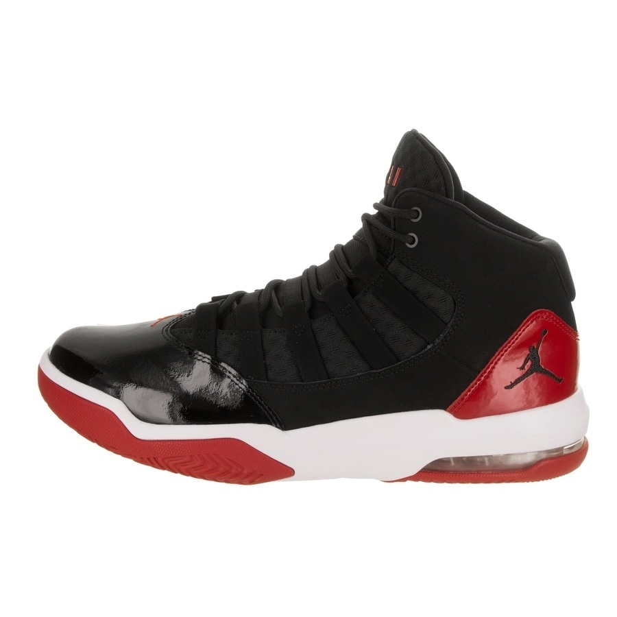 outlet store 035bc 9303b Shop Nike Jordan Men s Jordan Max Aura Basketball Shoe - Free Shipping  Today - Overstock - 23035821