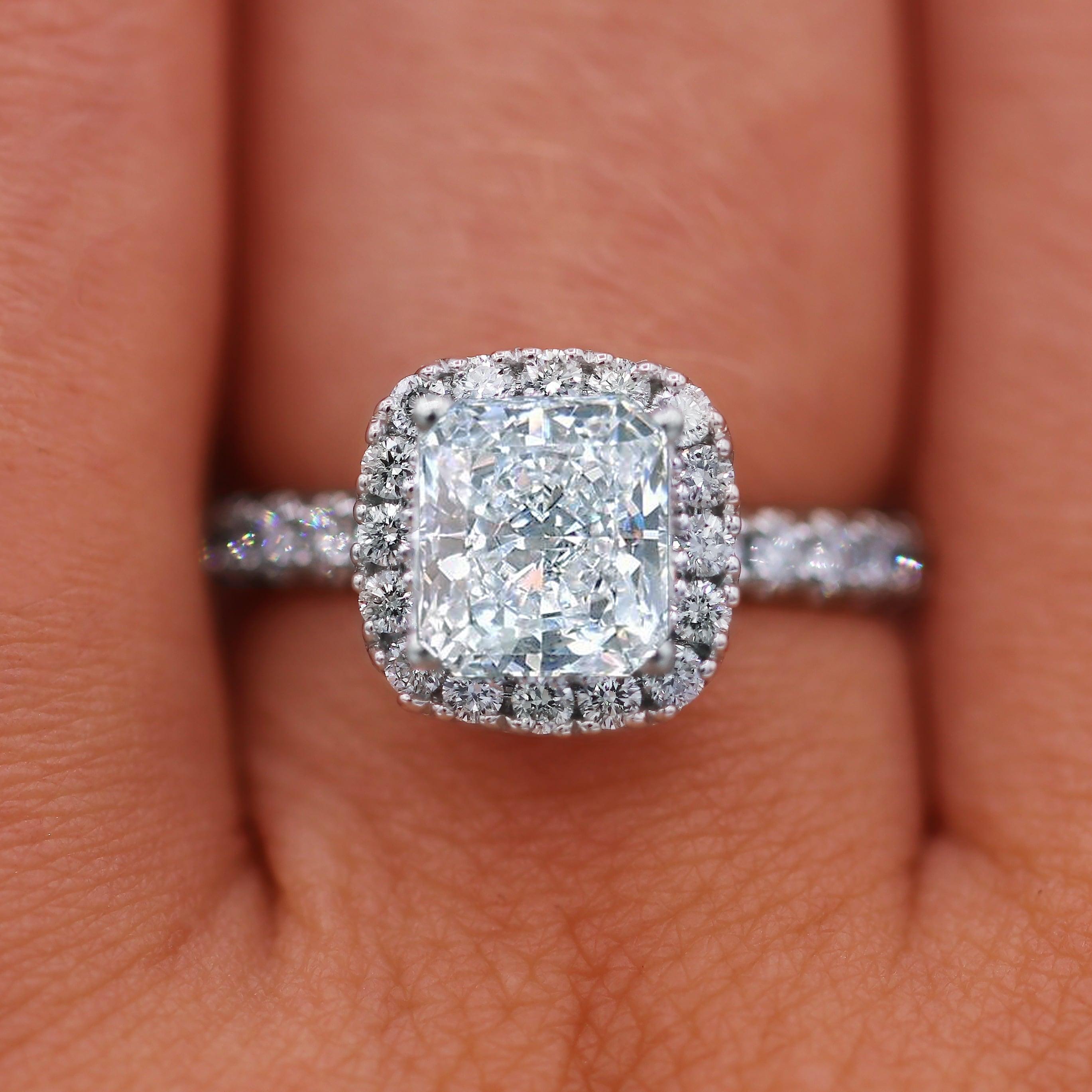 18kt White Gold 2 68 Carat Cushion Cut Diamond Engagement Ring