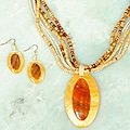 Handmade Shell and Wood 'Gold Lip' Oval 3-piece Jewelry Set (Philippines)