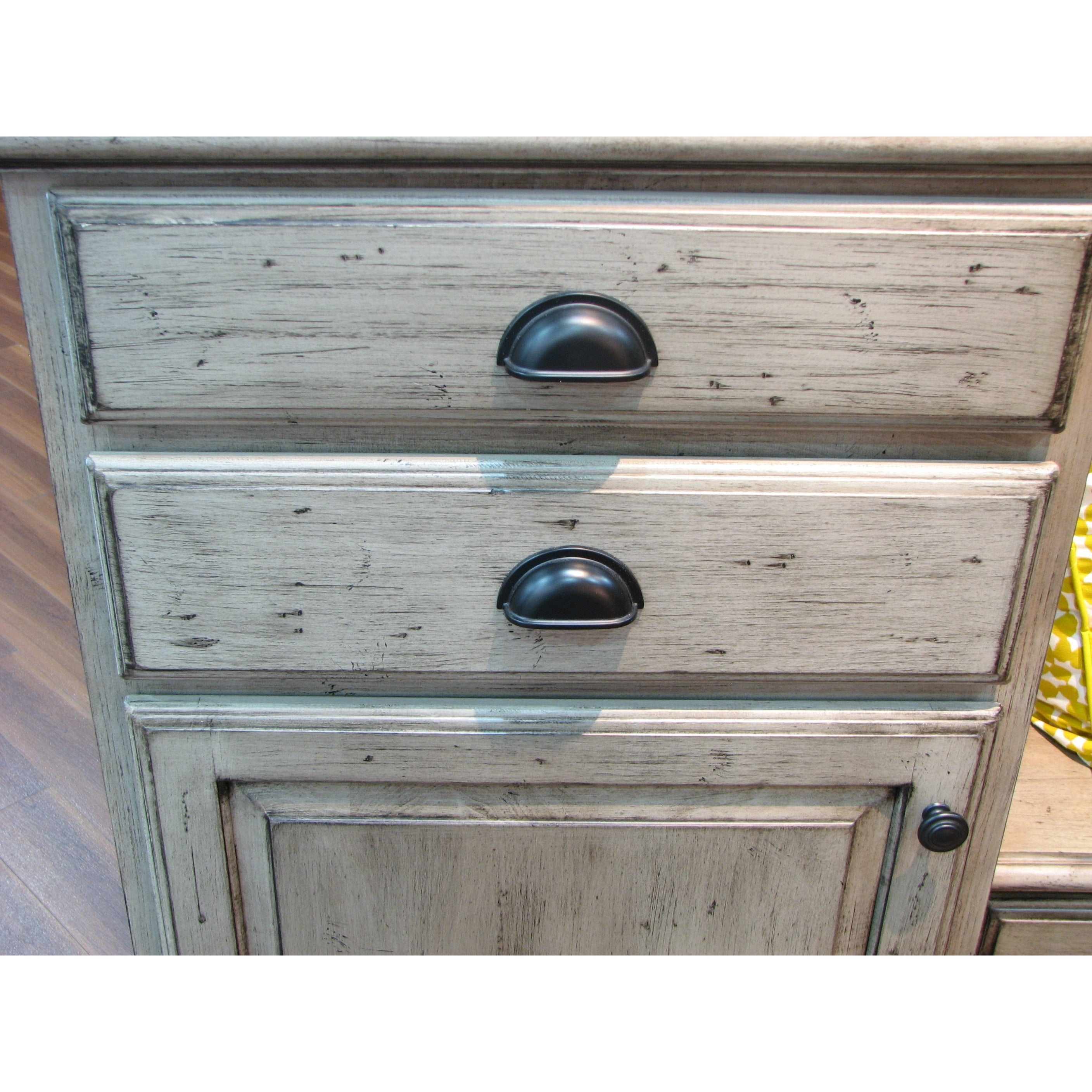 manufacturers pulls medium storage drawer with blue small contemporary shaker bar white manufacturer style direct knobs old cottage from cooler pictures cabinet showroom ethan lancaster friendly glass faucets top kitchen eco modern kohler frameless wine cottages full cabinets size corner of rta