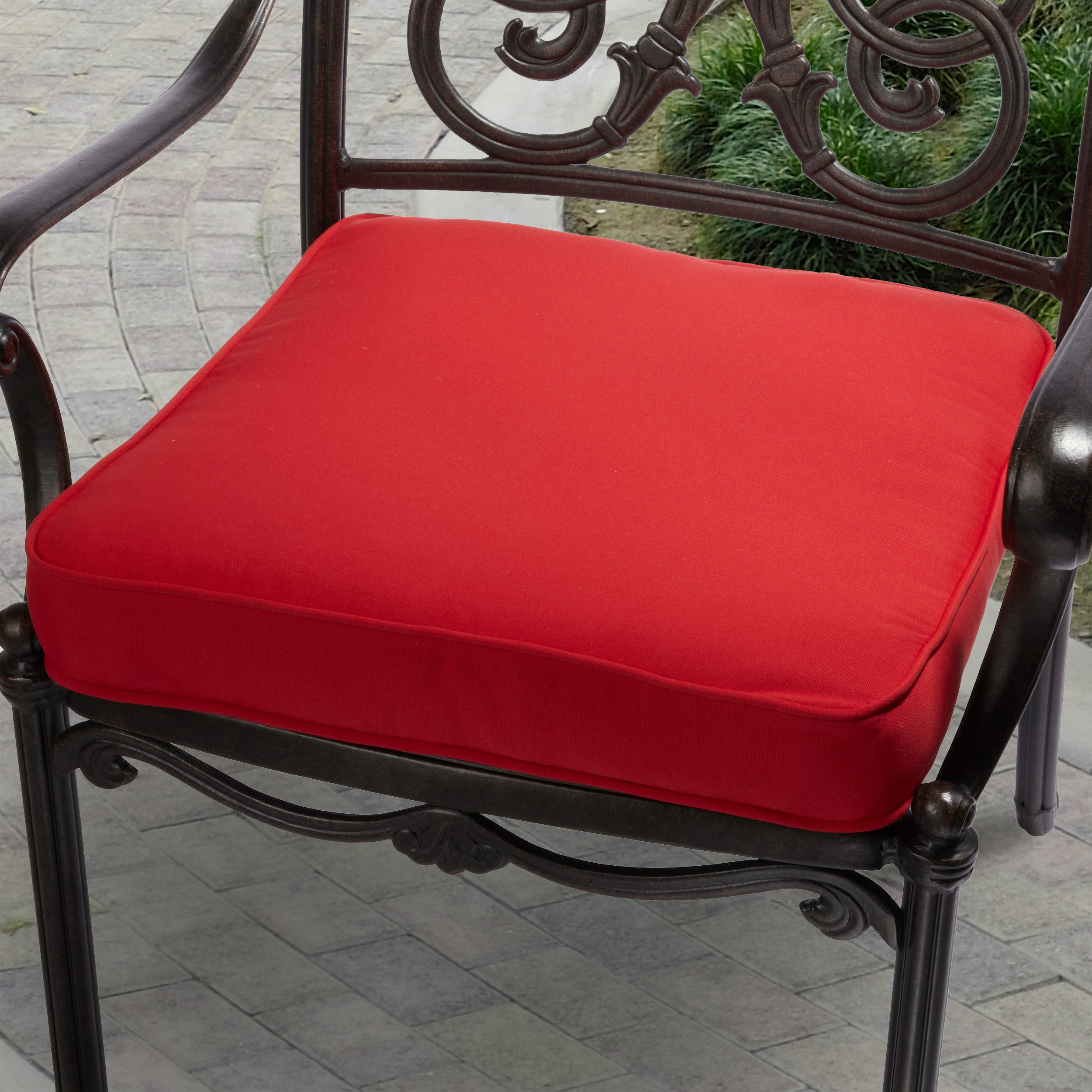 Indoor/ Outdoor 20-inch Solid Traditional Chair Cushion with ...