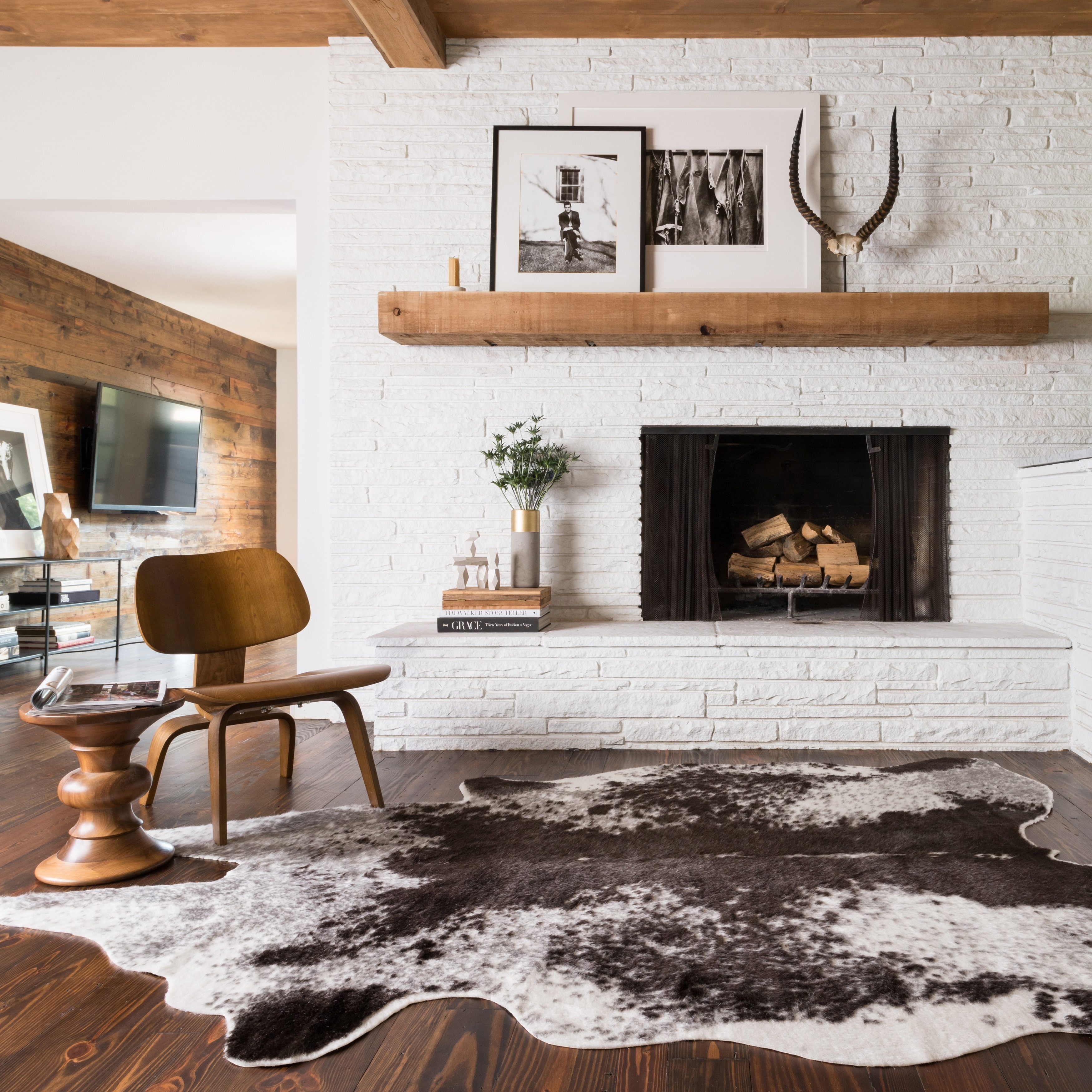 Faux Rawhide Ivory and Charcoal Brown Rug (6\'2 x 8\') - 6\'2 x 8 ...