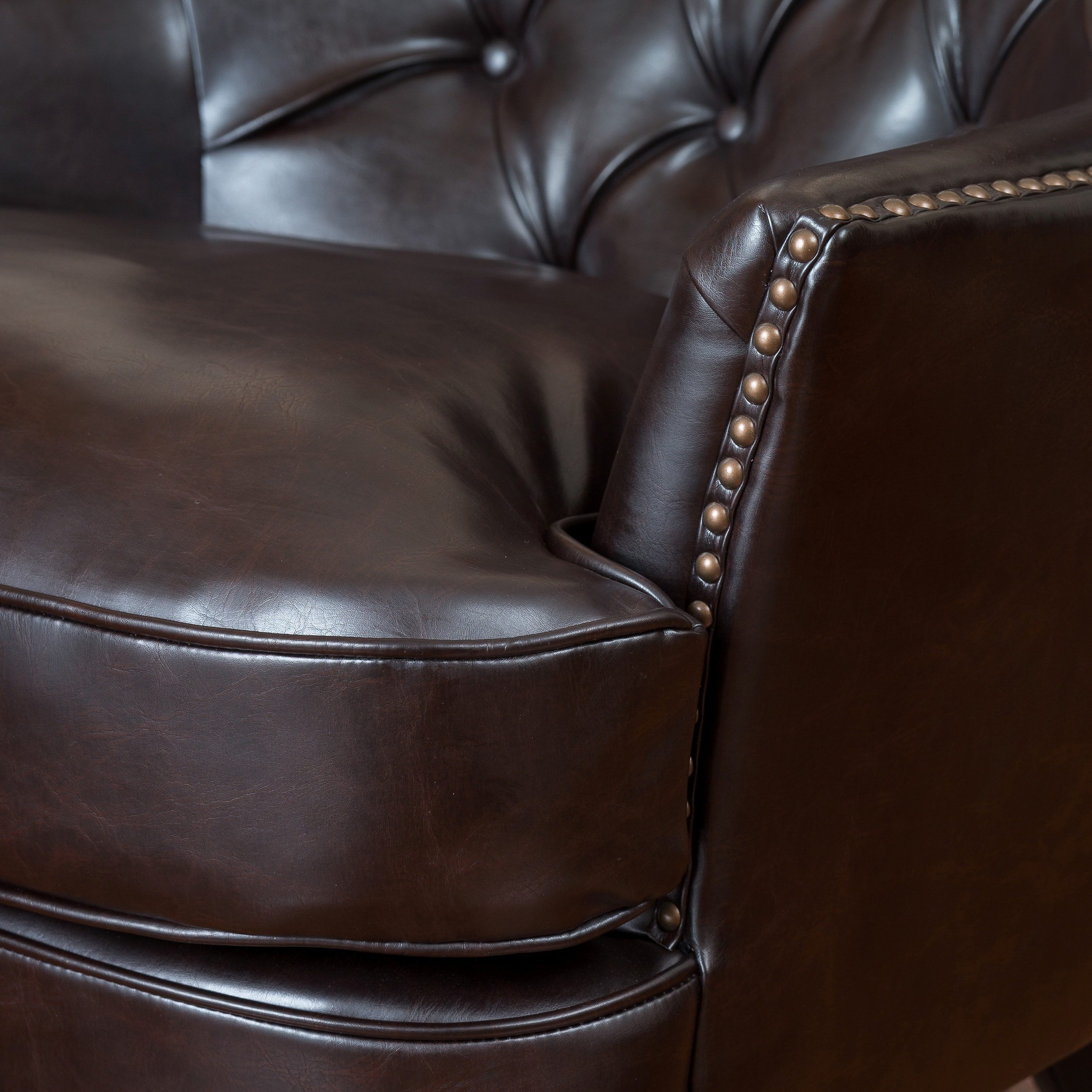 Shop Tafton Tufted Oversized Brown Bonded Leather Club Chair By Christopher  Knight Home   On Sale   Free Shipping Today   Overstock.com   6045761