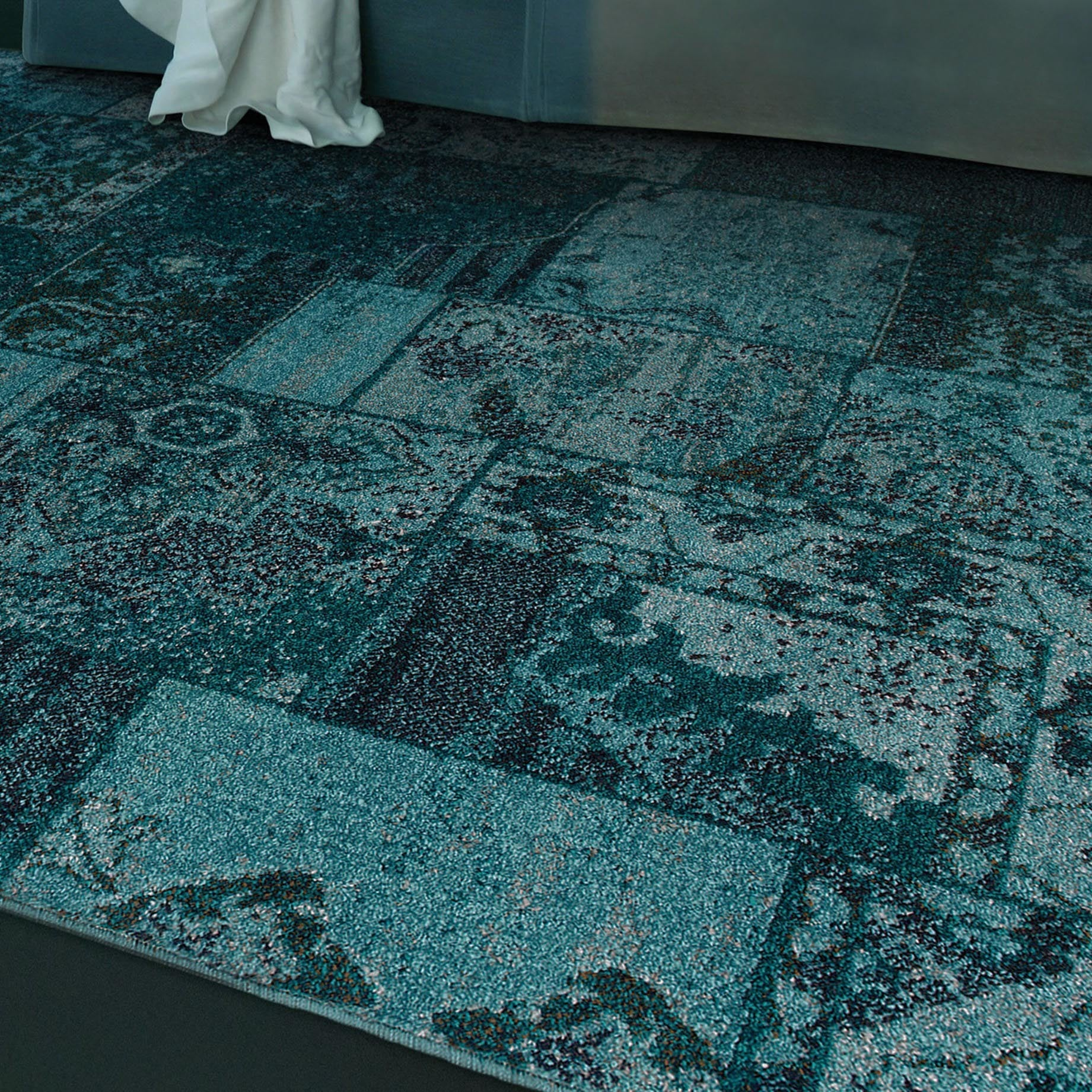 Patchwork Over-dyed Teal/ Grey Area Rug (5\' x 7\'6) - Free Shipping ...