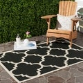 Safavieh Courtyard Quatrefoil Black/ Beige Indoor/ Outdoor Rug