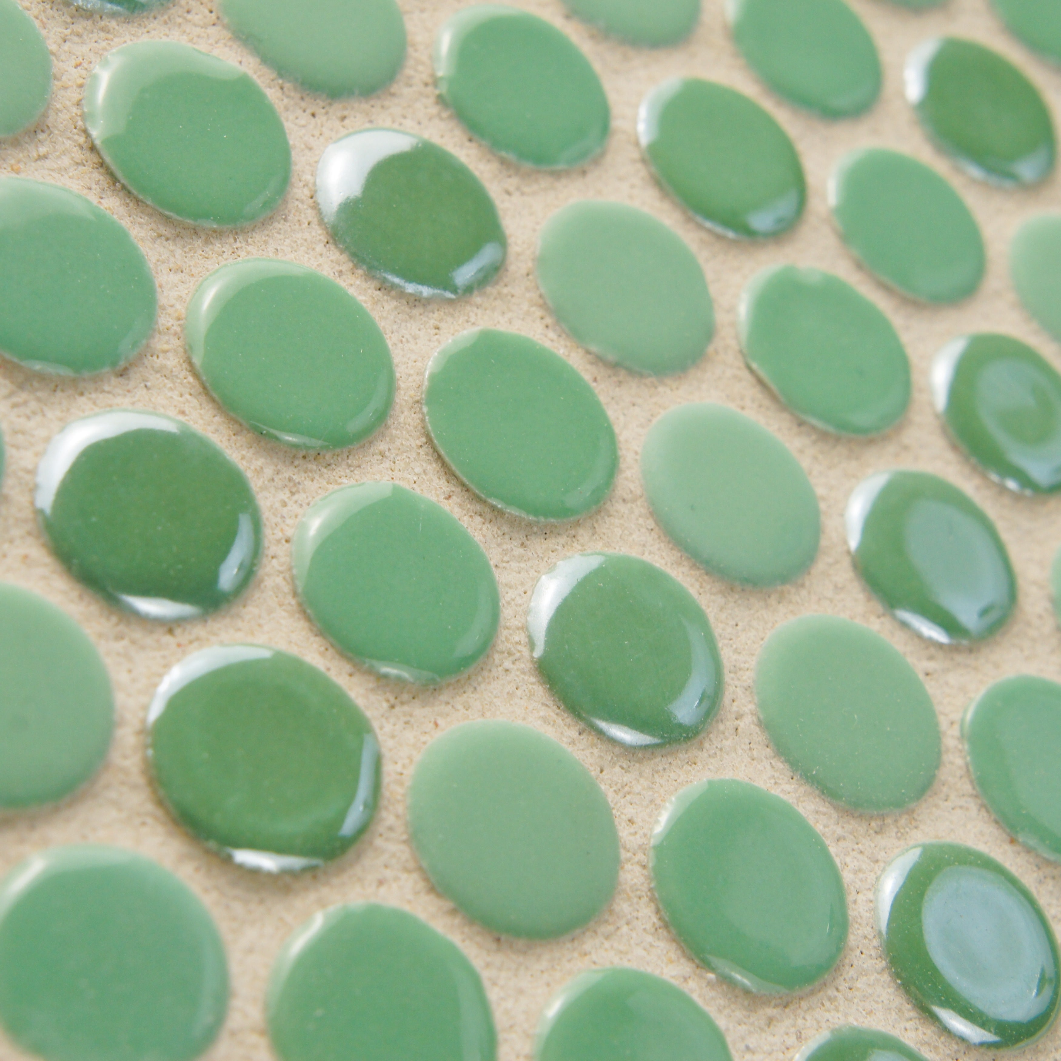 SomerTile 11.25 x 12-inch Posh Penny Round Capri Porcelain Mosaic Wall Tile  (Case of 10) - Free Shipping Today - Overstock.com - 14982509