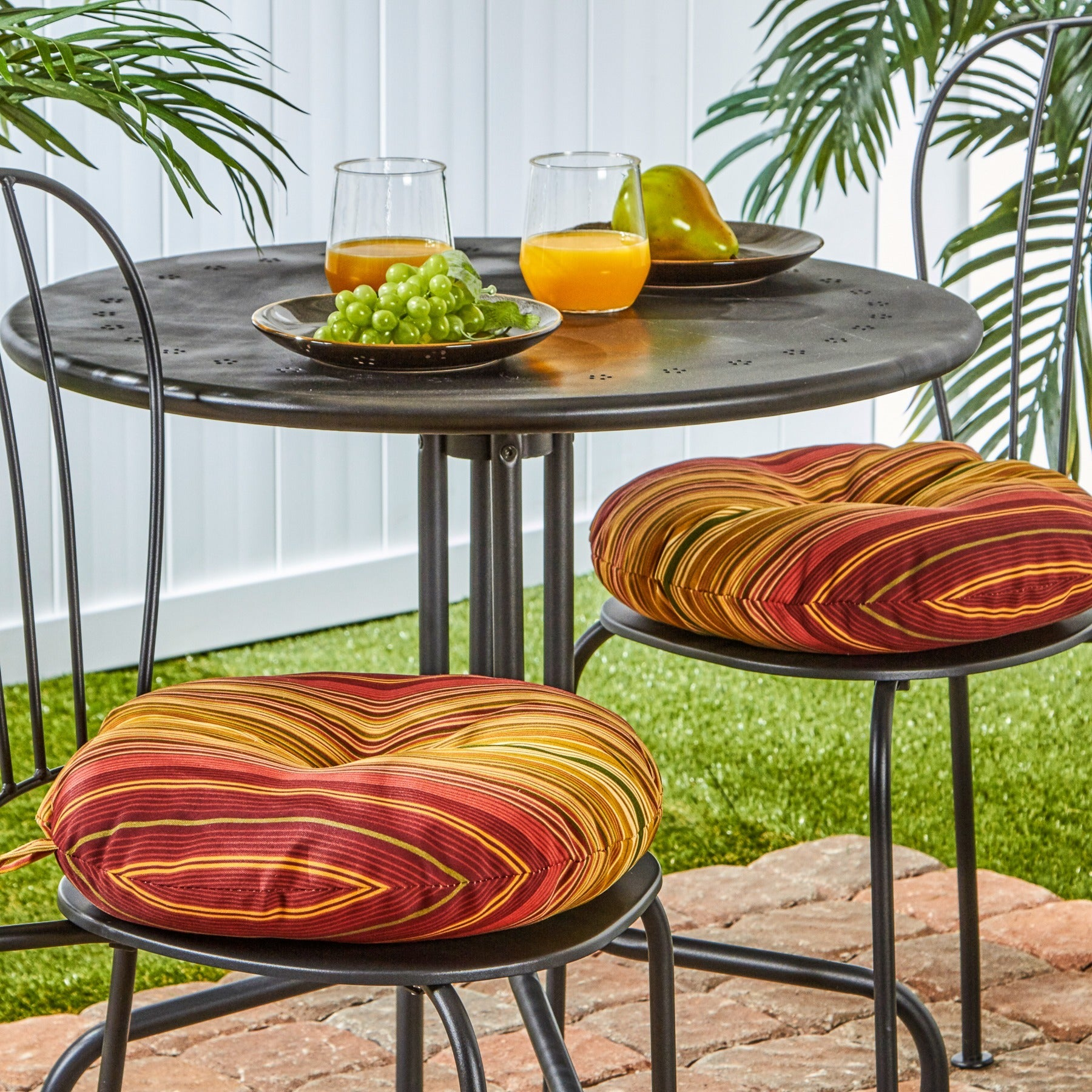 15 inch Round Outdoor Kinnabari Stripe Bistro Chair Cushions Set