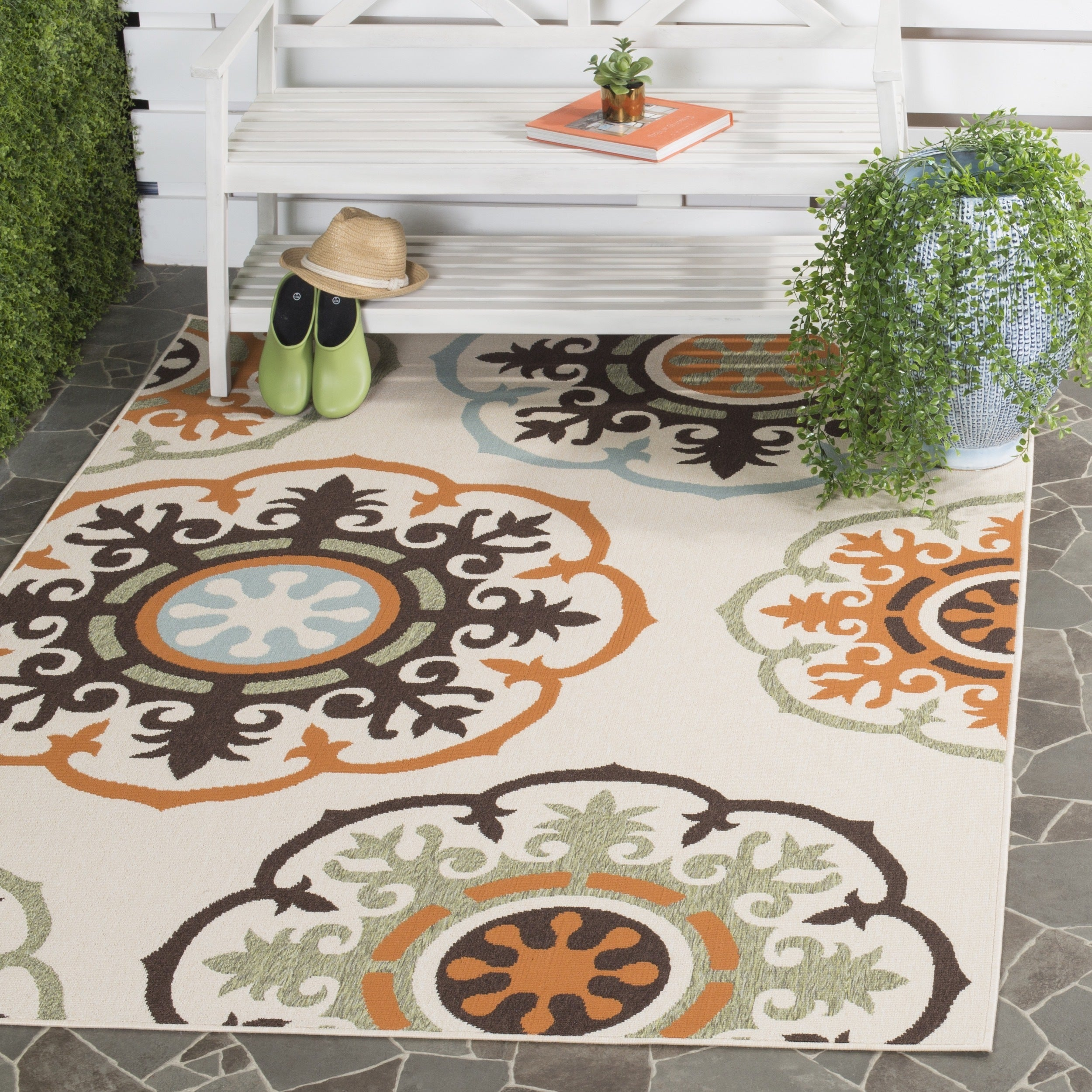 Safavieh Veranda Piled Indoor/Outdoor Cream/Terracotta Polypropylene Rug  (6'7