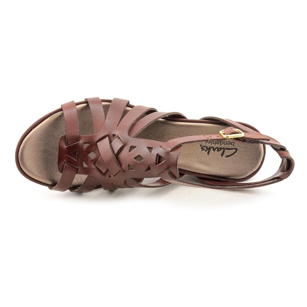 ac682cca04b414 Shop Clarks Women s  Lucia Coral  Leather Sandals - Free Shipping Today -  Overstock - 7926191