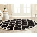 Safavieh Handmade Cambridge Moroccan Black Wool King Print Rug (6' Round)