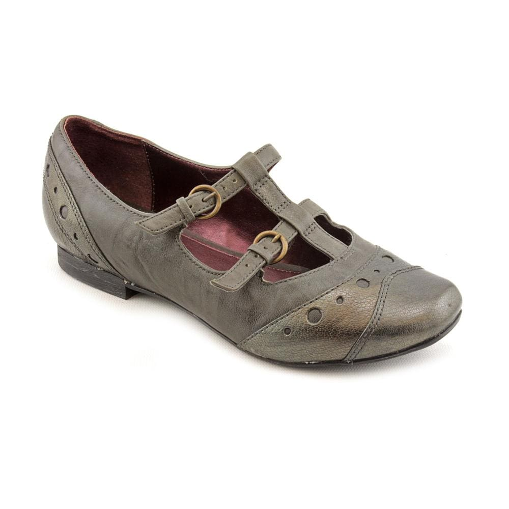 Shop Indigo By Clarks Women's 'Pinot' Leather Casual Shoes - Free Shipping  Today - Overstock.com - 8047935