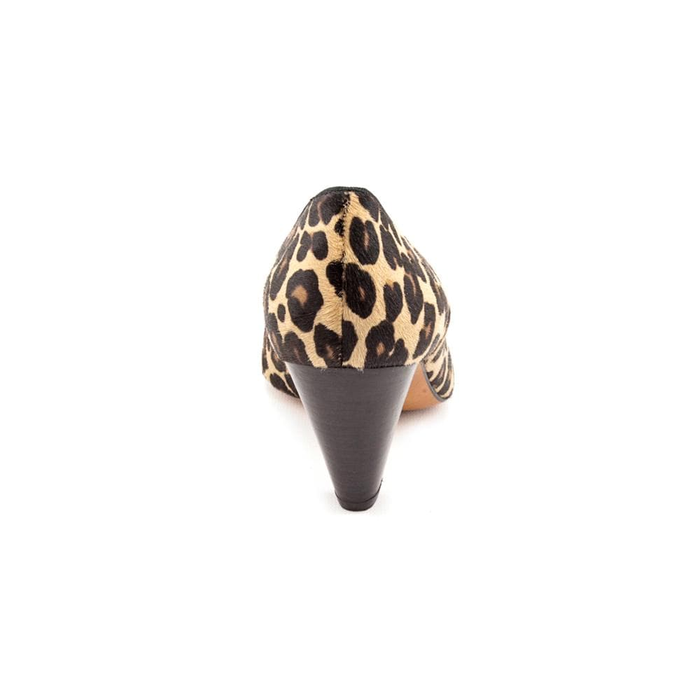 Shop Bettye Muller Women s  Colt  Animal Print Dress Shoes - Free Shipping  Today - Overstock.com - 8215918 7e8a480c2