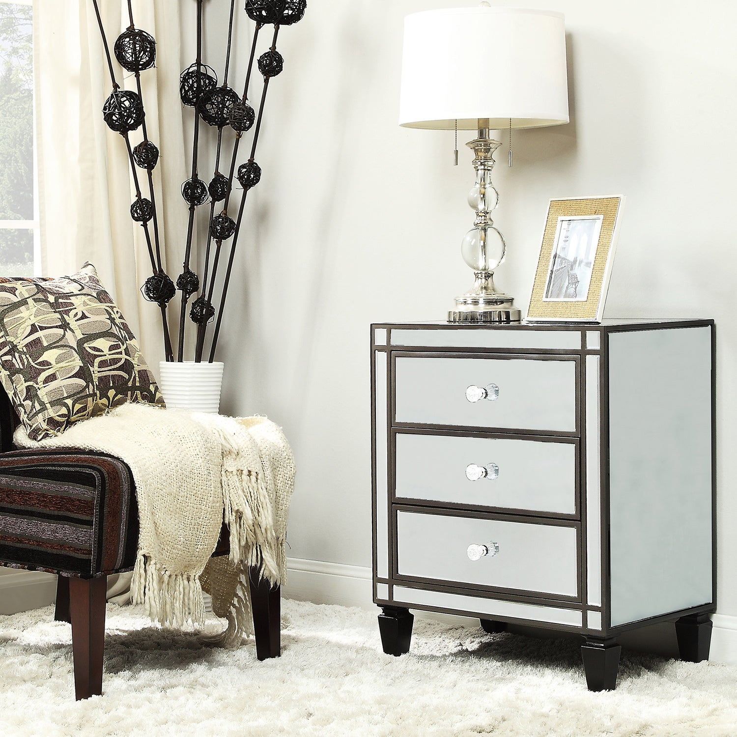Escanaba Mirrored 3-drawer Black Trim Accent Table by iNSPIRE Q Bold - Free  Shipping Today - Overstock.com - 15696208