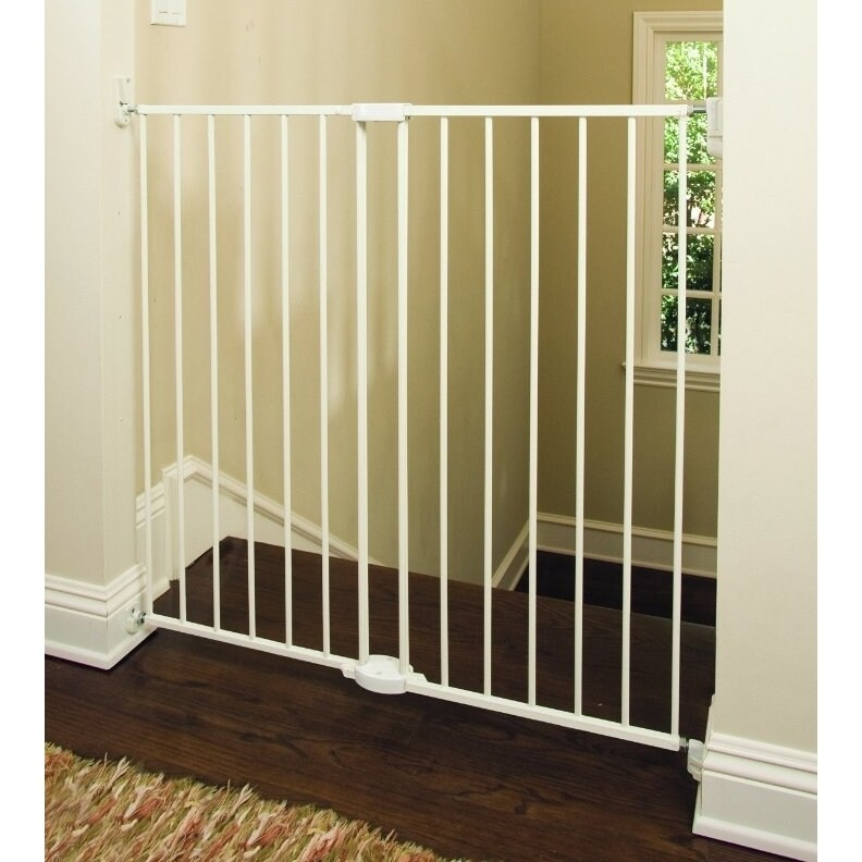 Shop Munchkin Extending Extra Tall And Wide Metal Gate Free
