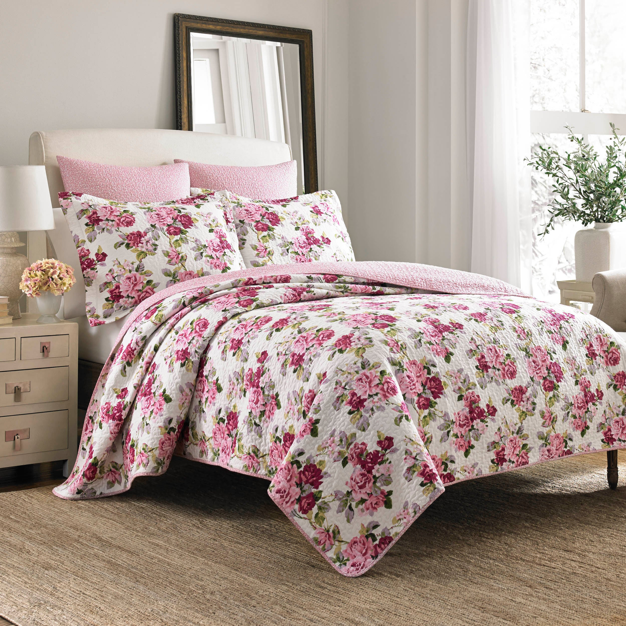 Shop Laura Ashley Lidia Cotton 3 Piece Reversible Quilt Set   On Sale    Free Shipping Today   Overstock.com   8747245