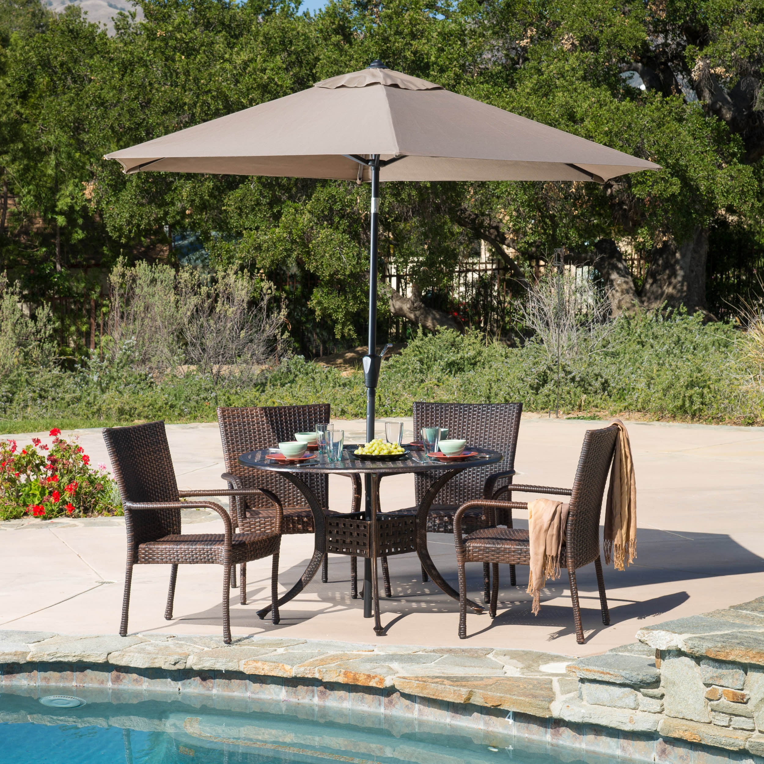 Shop Littleton Circular Outdoor Cast And Wicker 5 Piece Set By Christopher  Knight Home   Free Shipping Today   Overstock.com   8886958